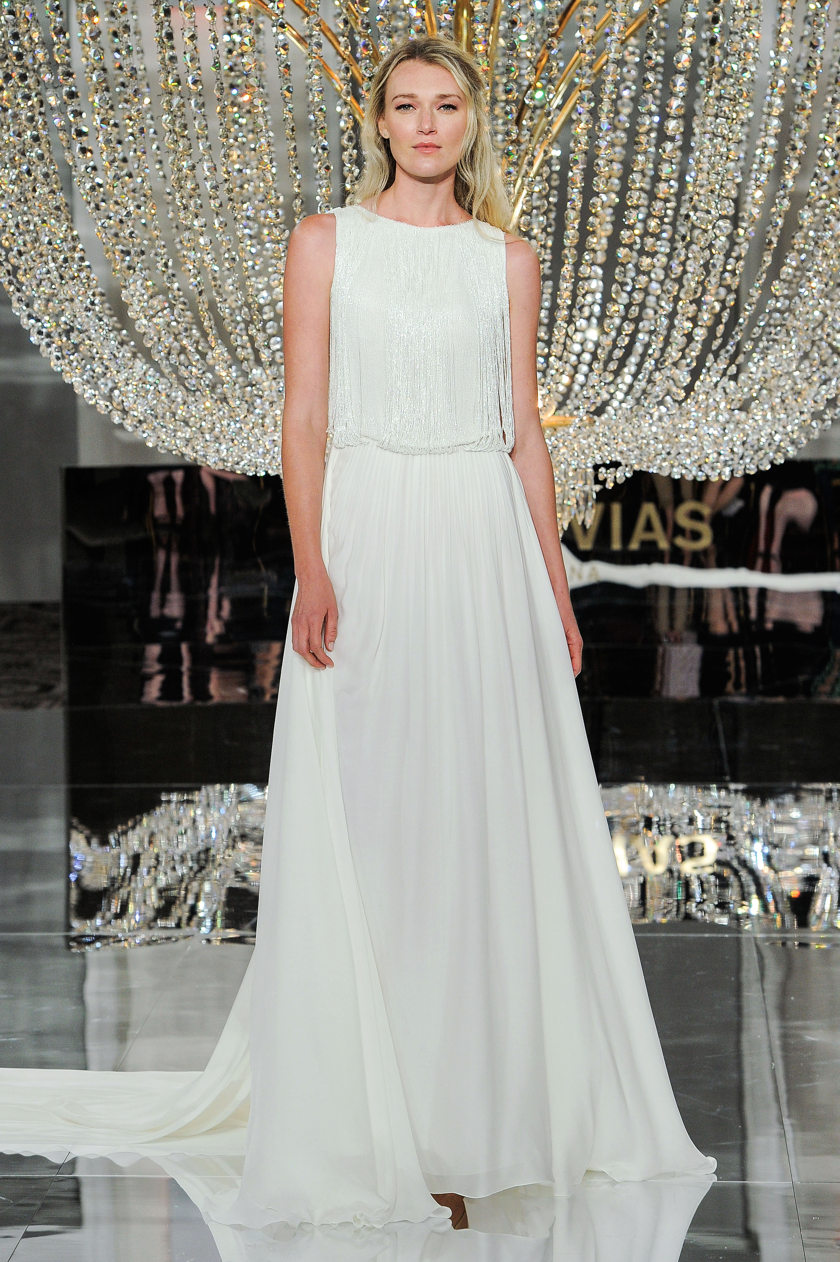 pronovias wedding dress fall 2018 sleeveless a-line loose