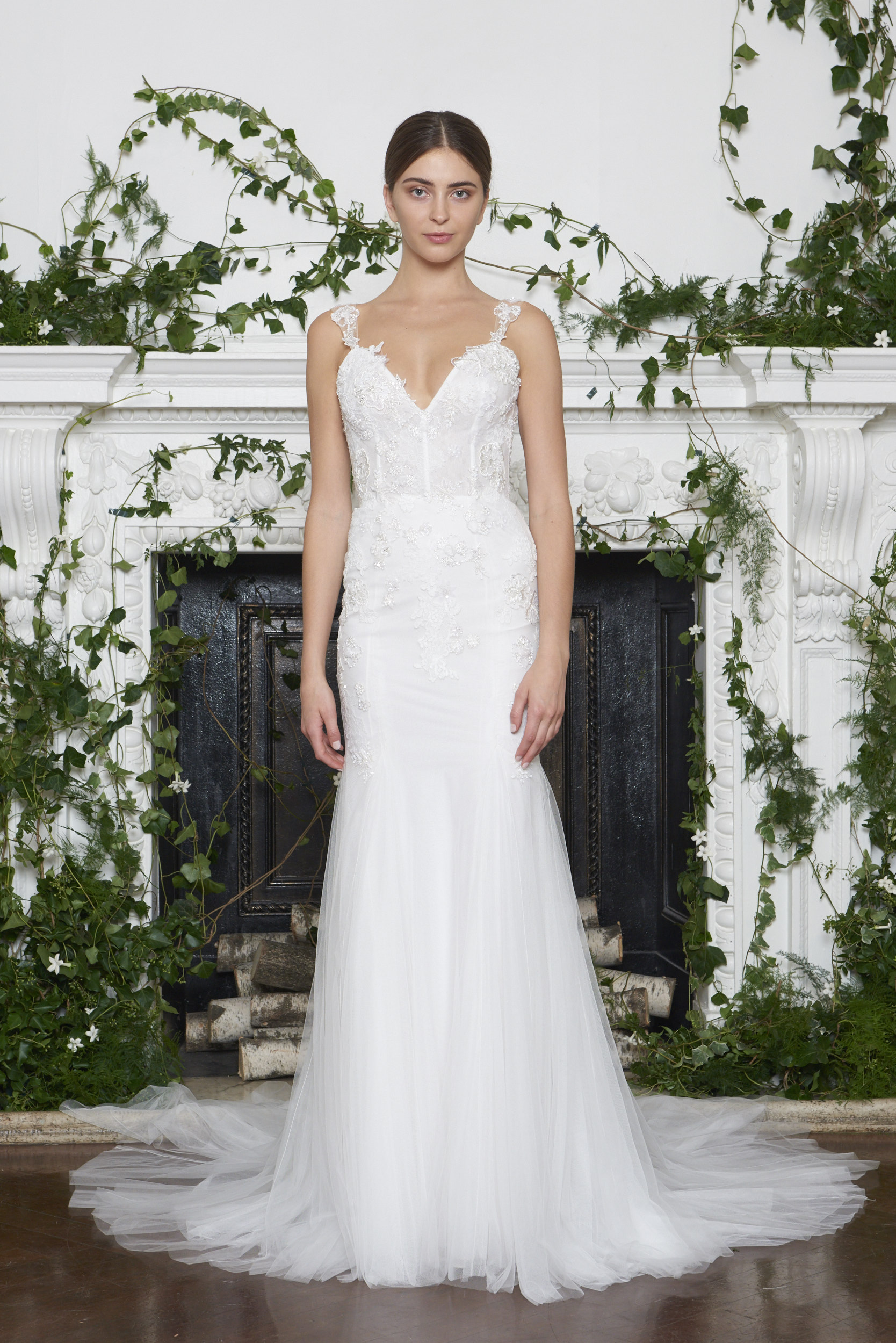 Monique Lhuillier Fall 2018 Slim Mermaid Wedding Dress with Embroidery