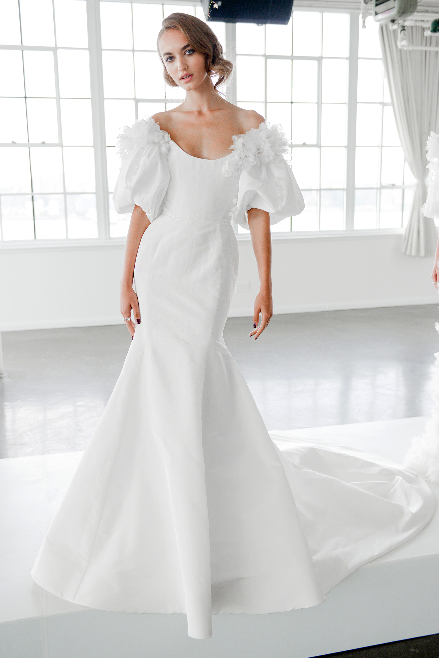 marchesa fall 2018 off-the-shoulder with flouncy sleeves