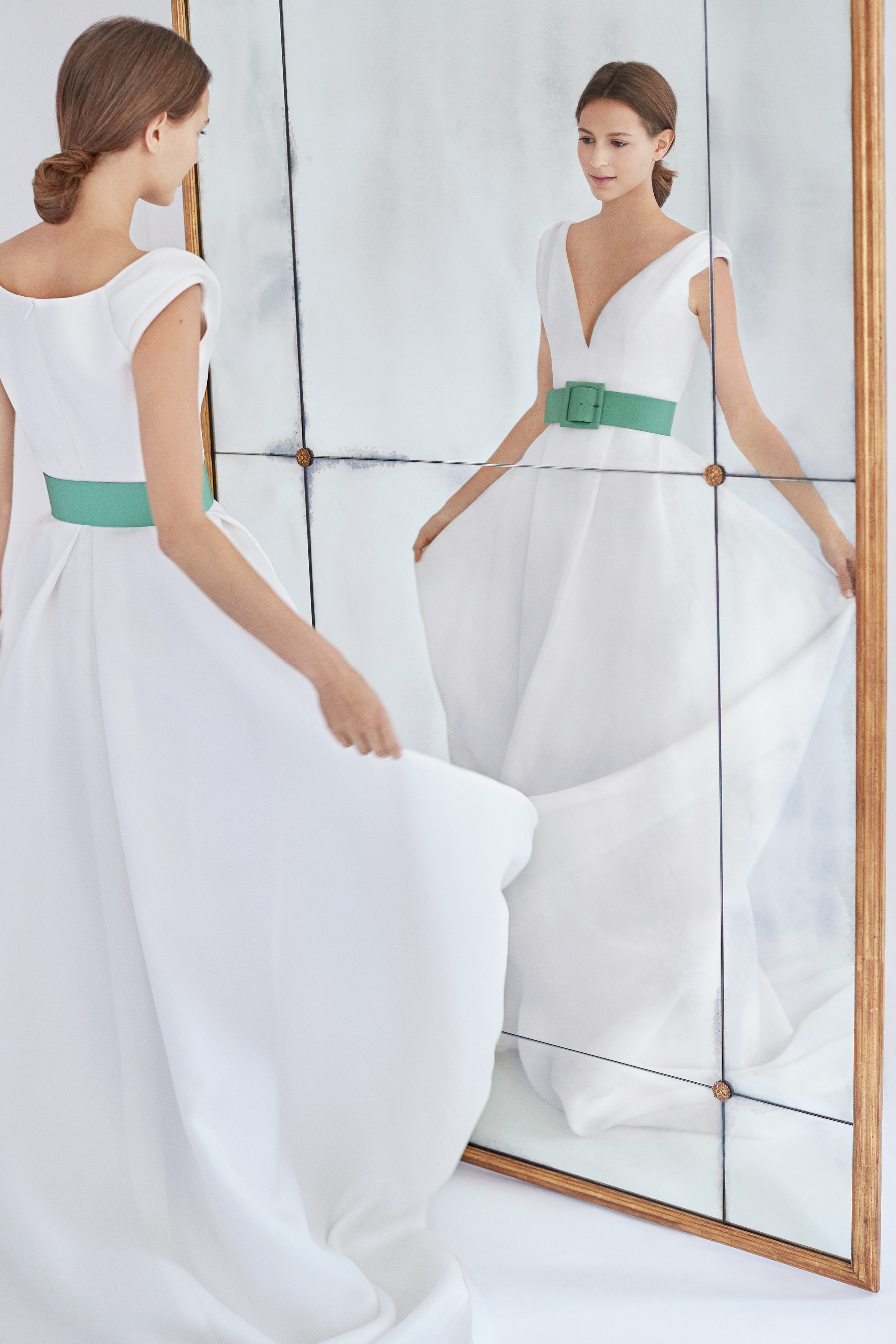 carolina herrera wedding dress fall 2018 belted v-neck