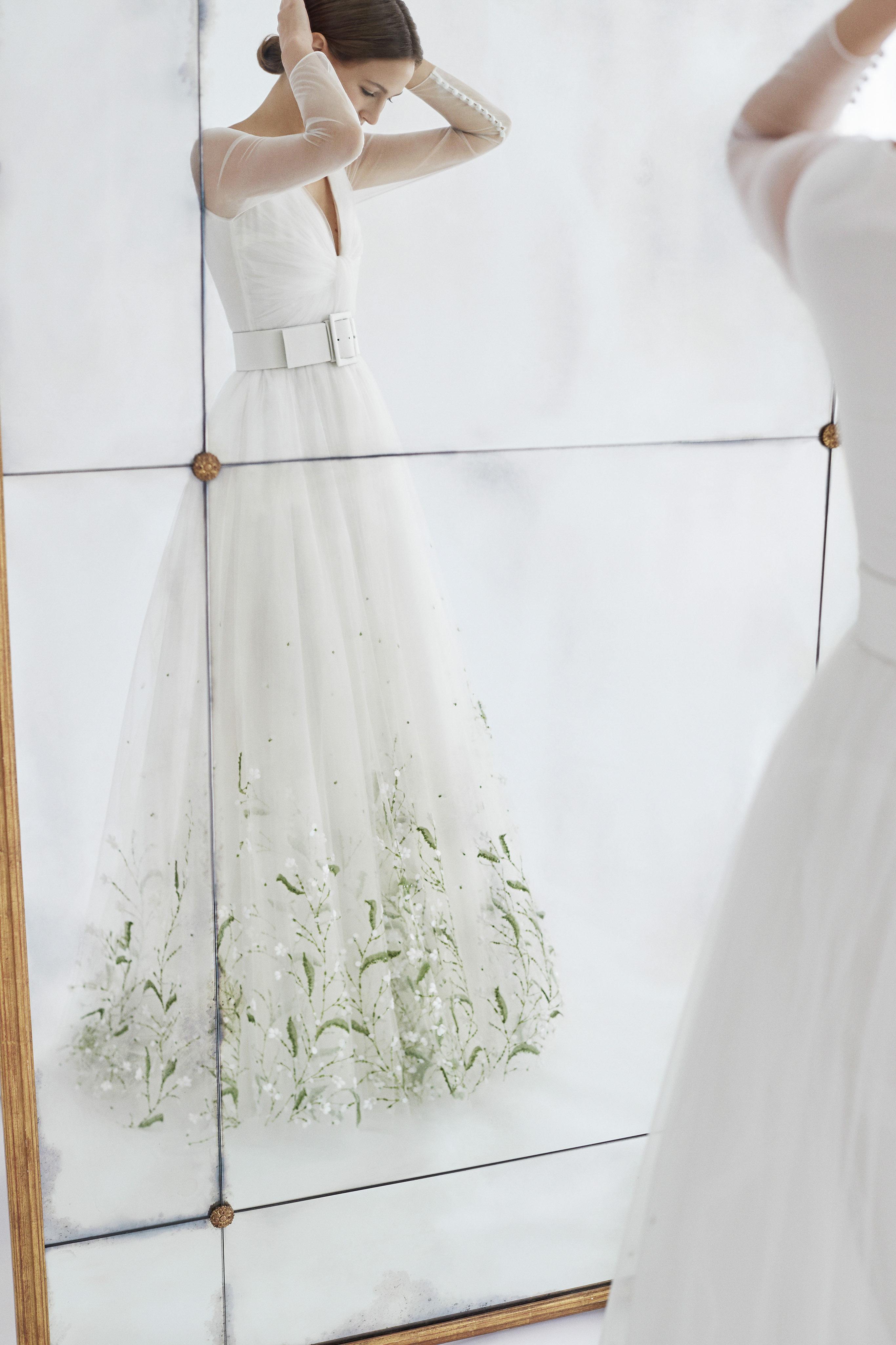 carolina herrera wedding dress fall 2018 tulle greenery embellished