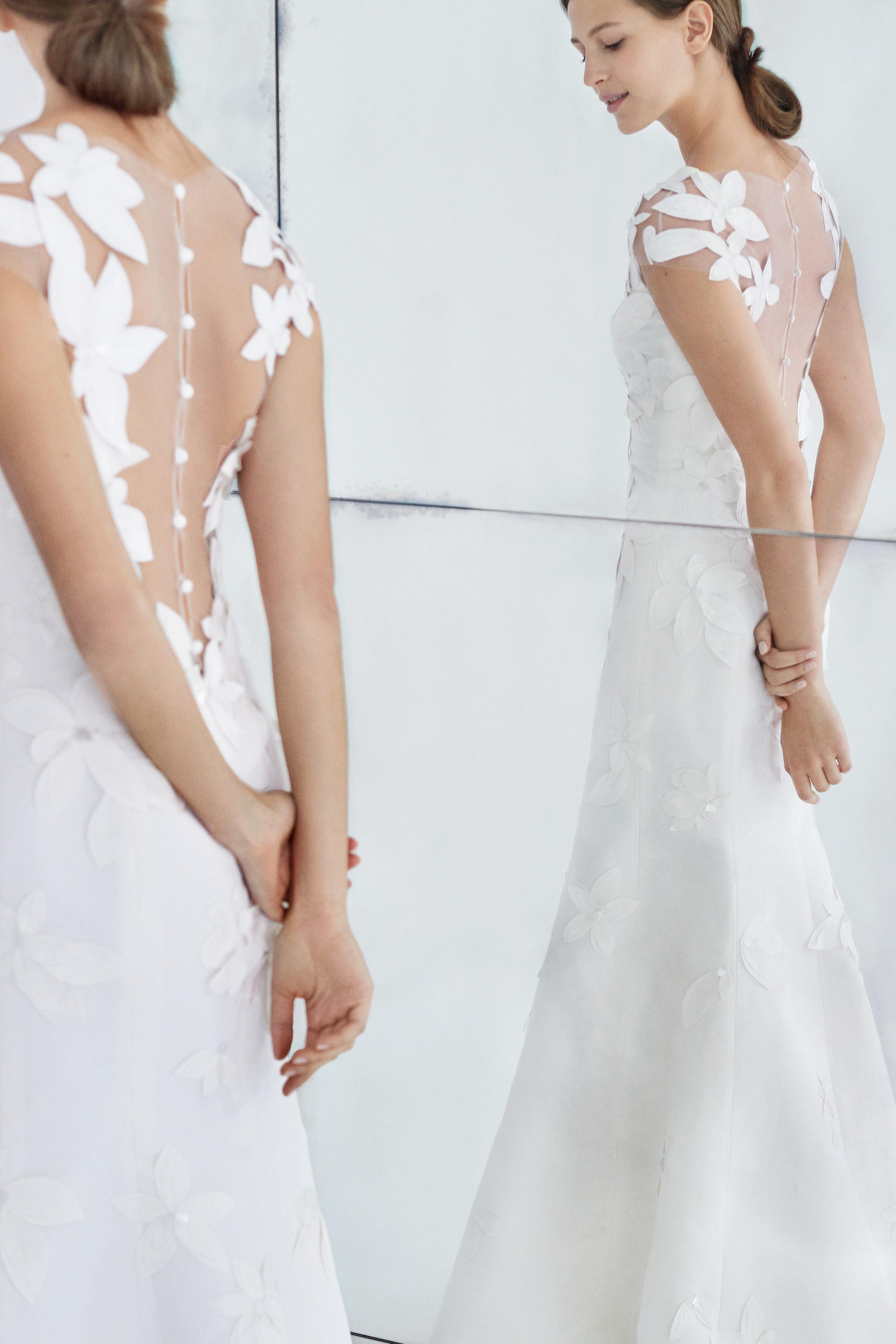 carolina herrera wedding dress fall 2018 floral high neck sheath