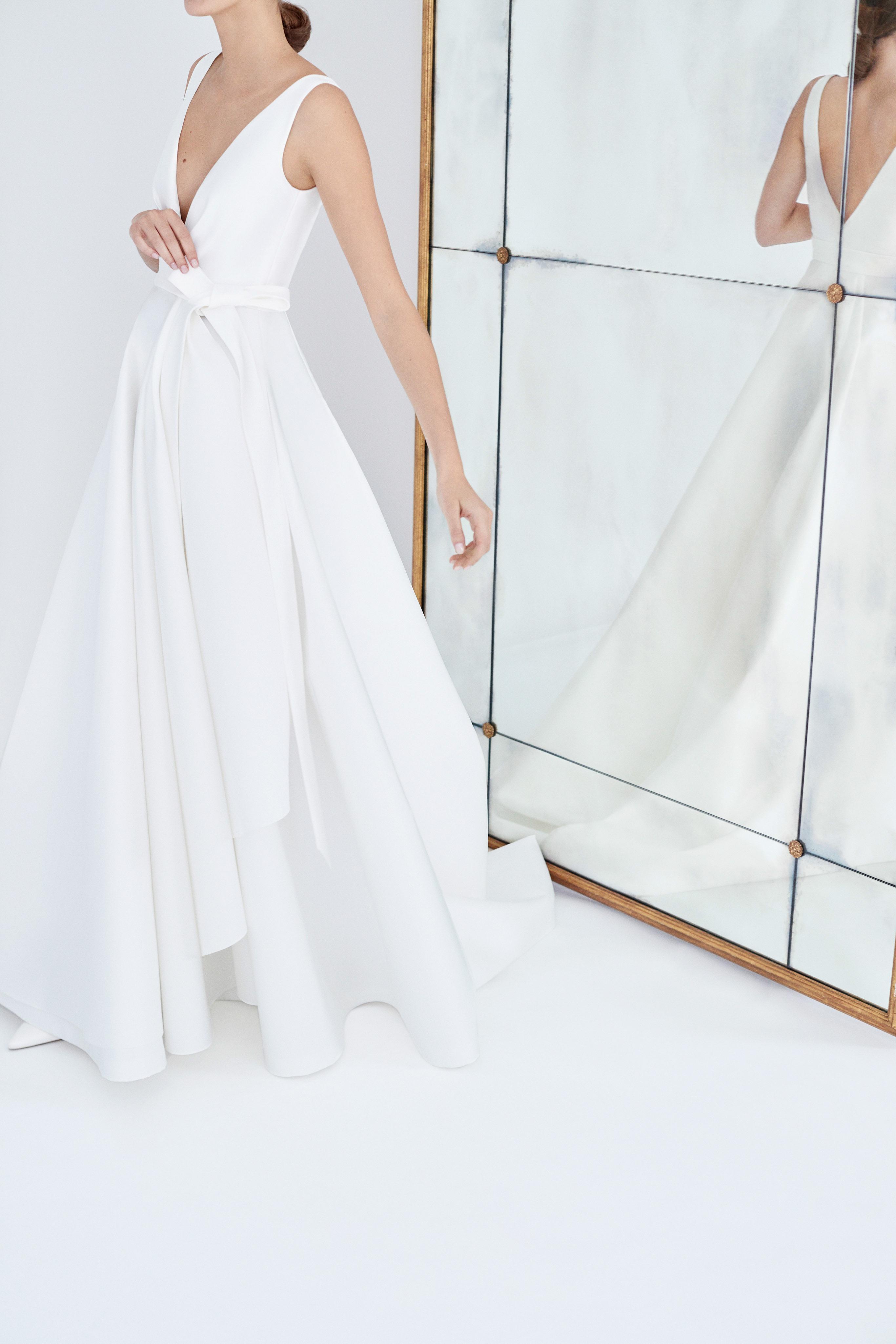 carolina herrera wedding dress fall 2018 v-neck a-line