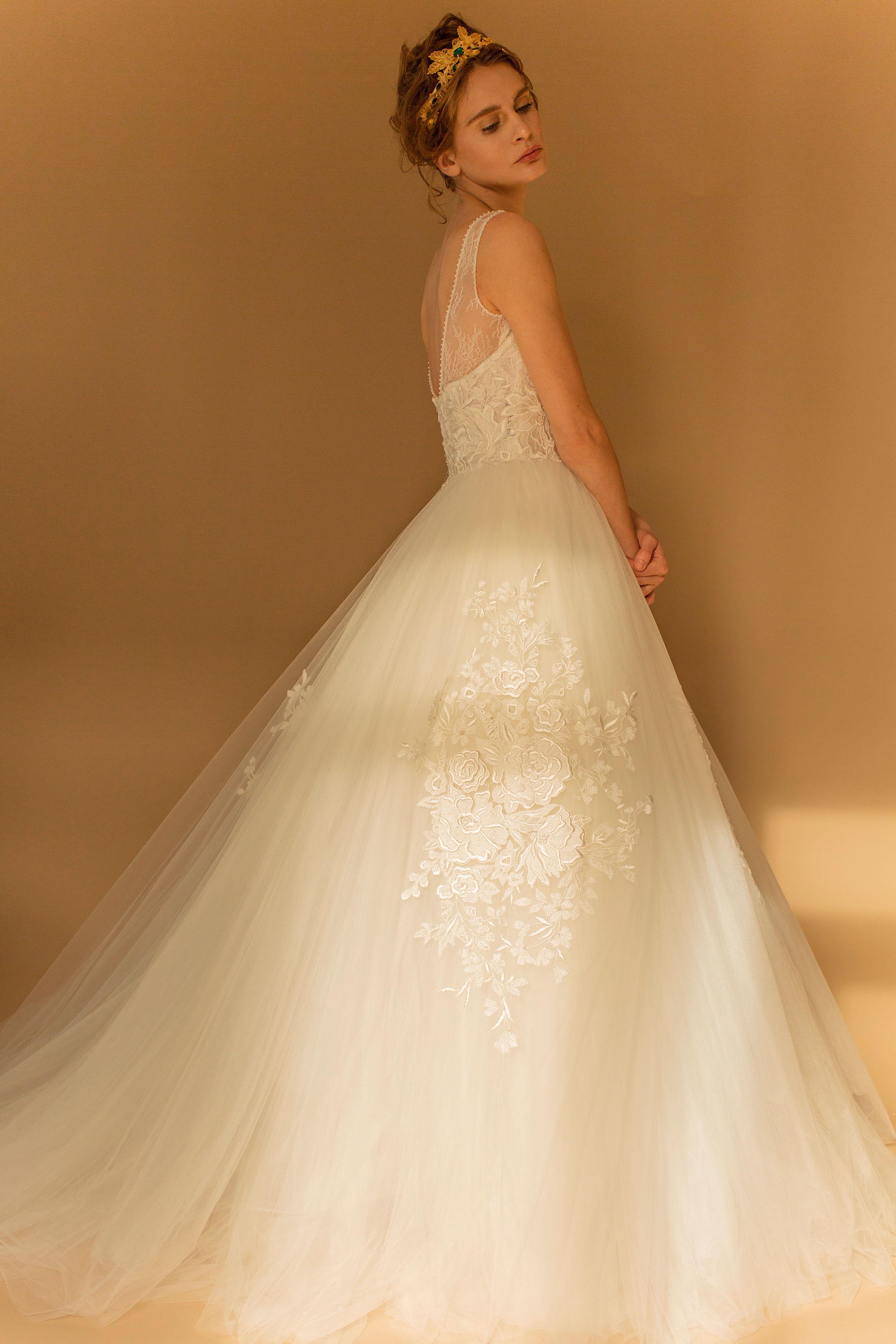 francesca miranda wedding dress fall 2018 lace sleeveless ball gown