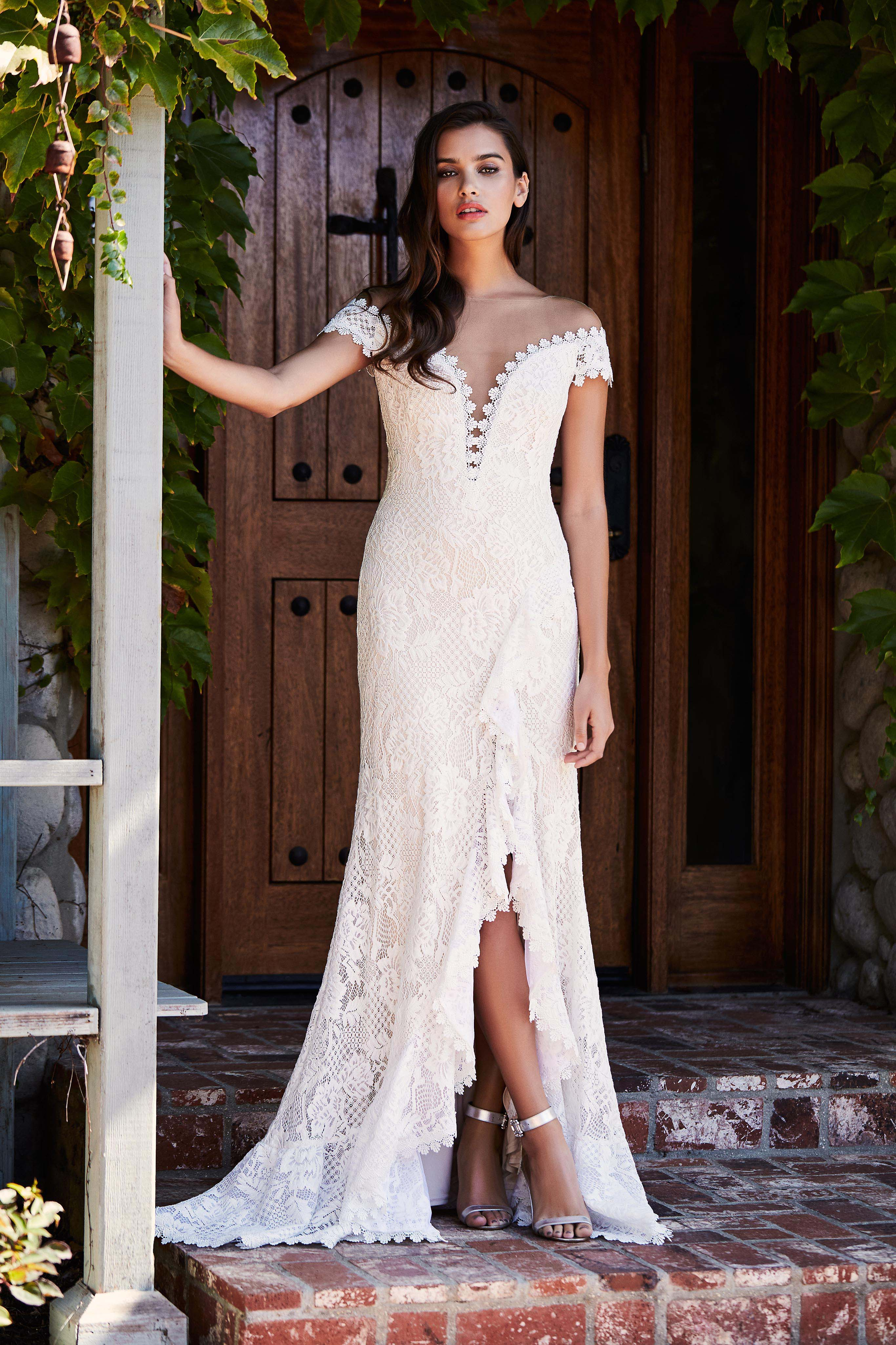 tadashi shoji wedding dress fall 2018 v-neck lace off the shoulder