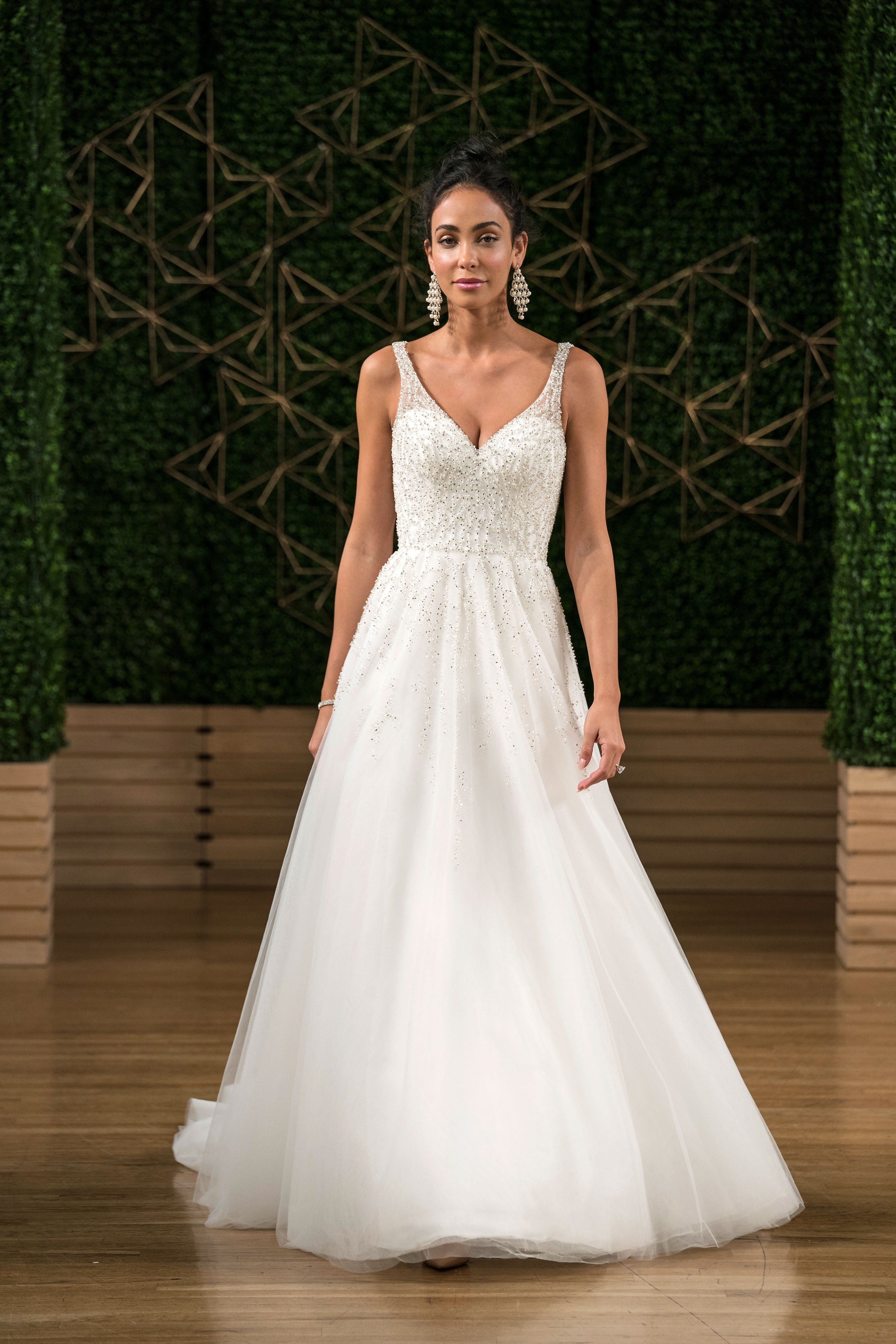 maggie sottero wedding dress fall 2018 tulle sparkly sleeveless