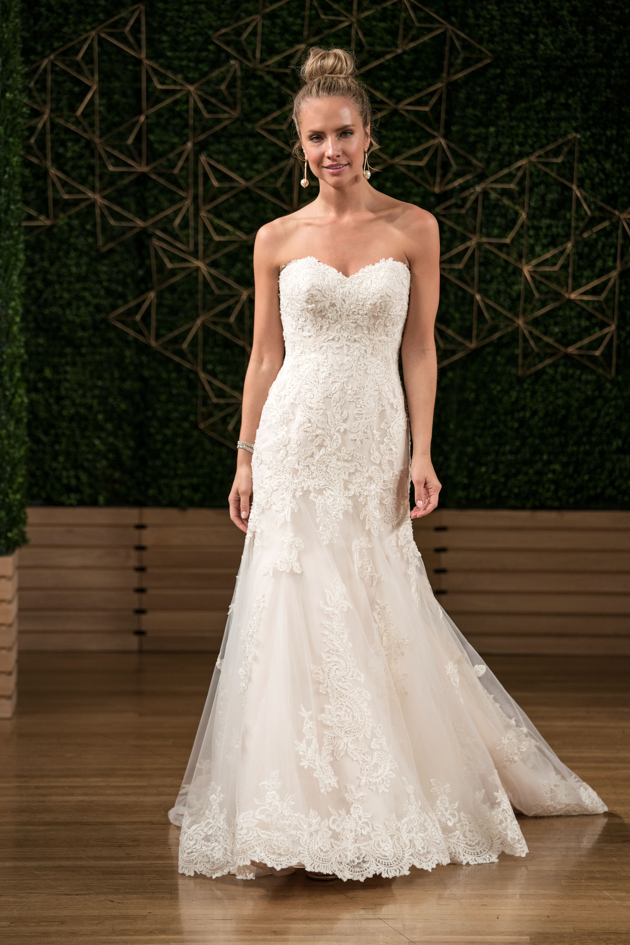 maggie sottero wedding dress fall 2018 sweetheart trumpet lace