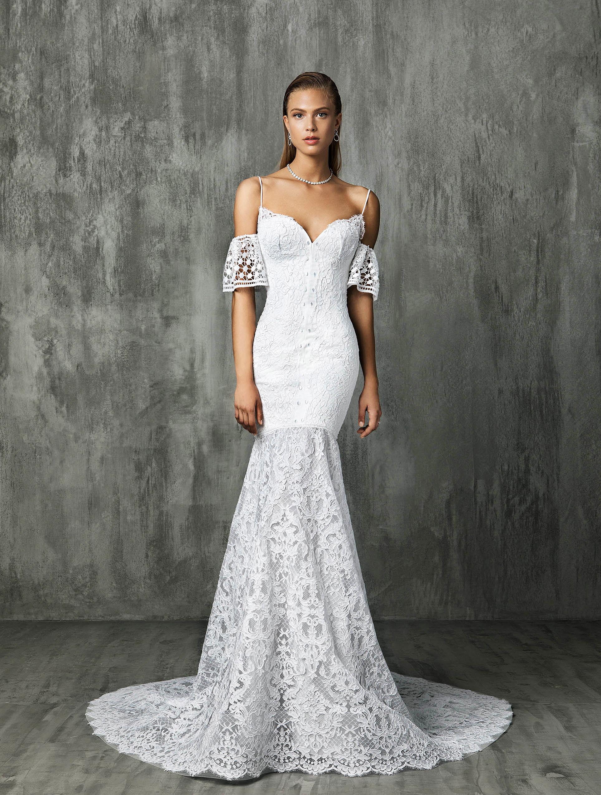Victoria Kyriakides Sweetheart Trumpet Wedding Dress Fall 2018