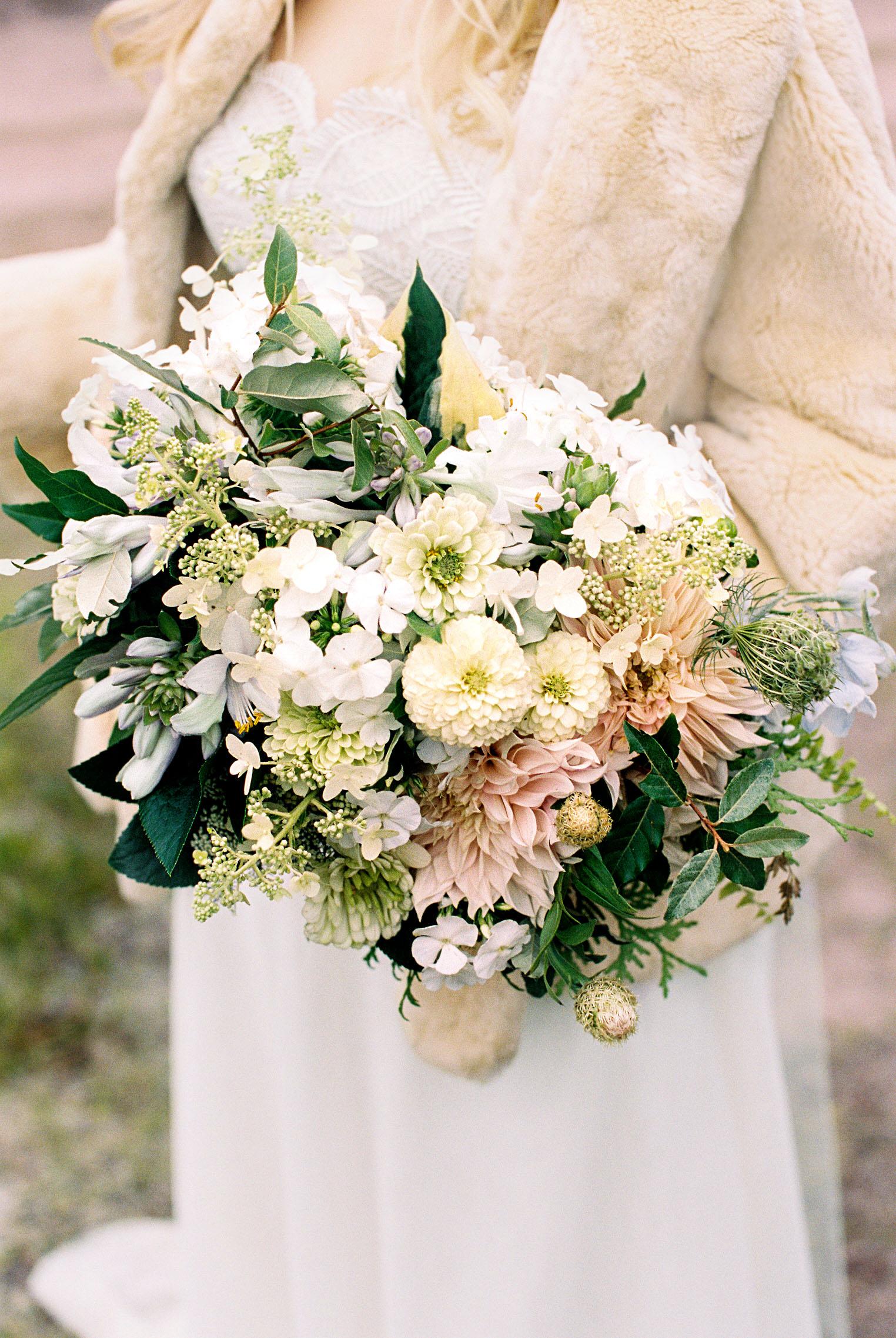 adele seth wedding michigan bouquet