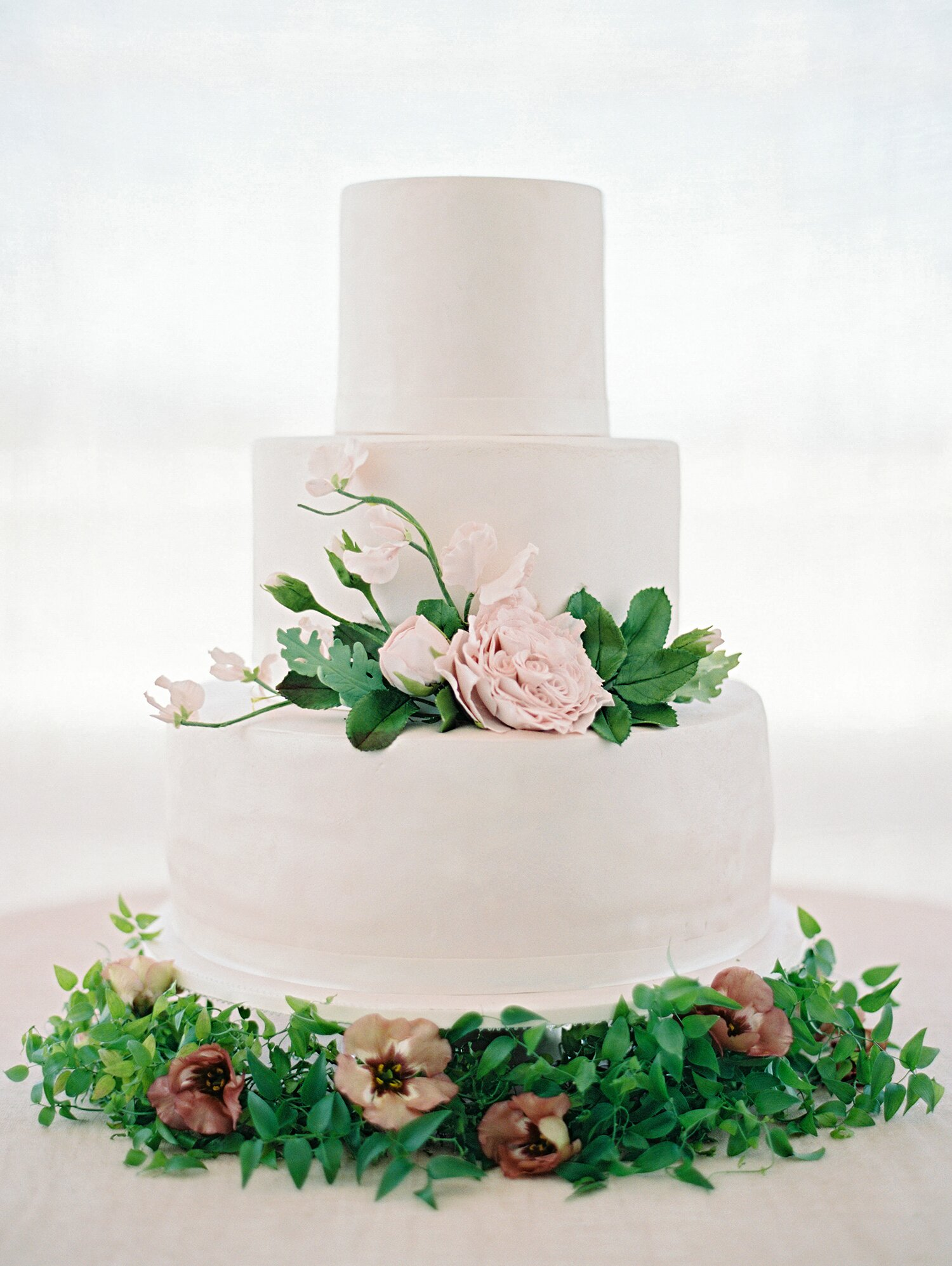 30 Romantic Wedding Cakes Martha Stewart Weddings