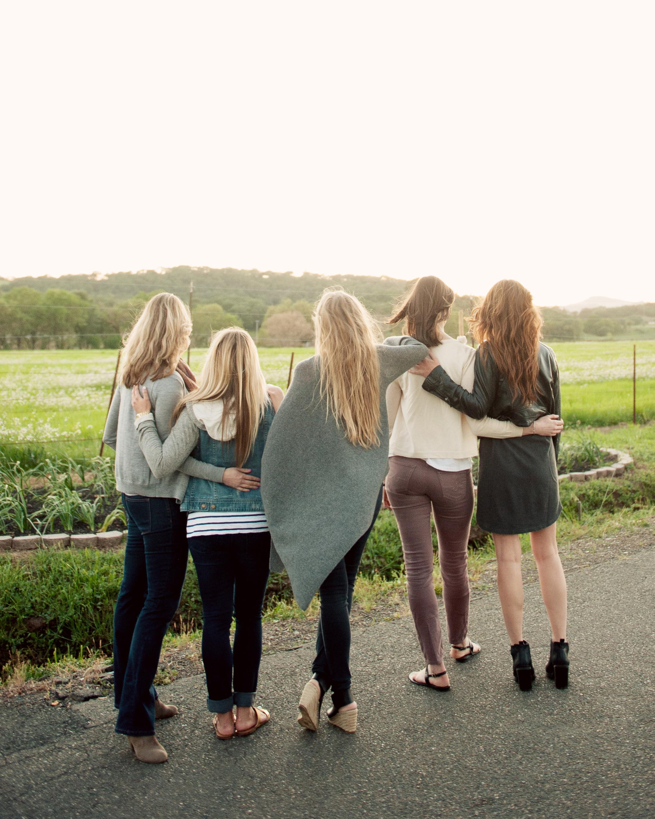 eatsleepwear-napa-valley-bachelorette-party-friends-back-0415.jpg
