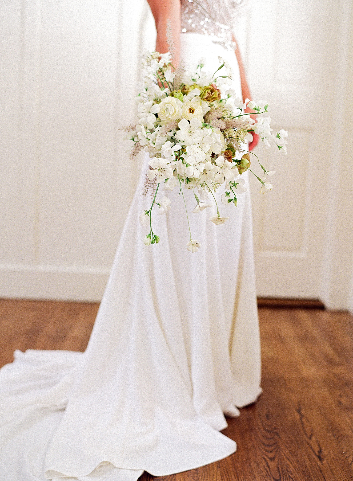 rae rob wedding bridal bouquet