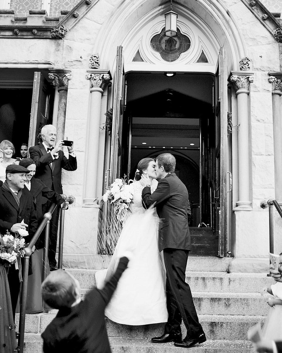 celina rob wedding virginia couple kiss