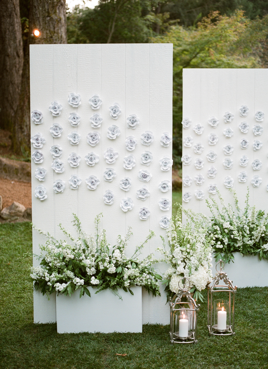 floral seating display