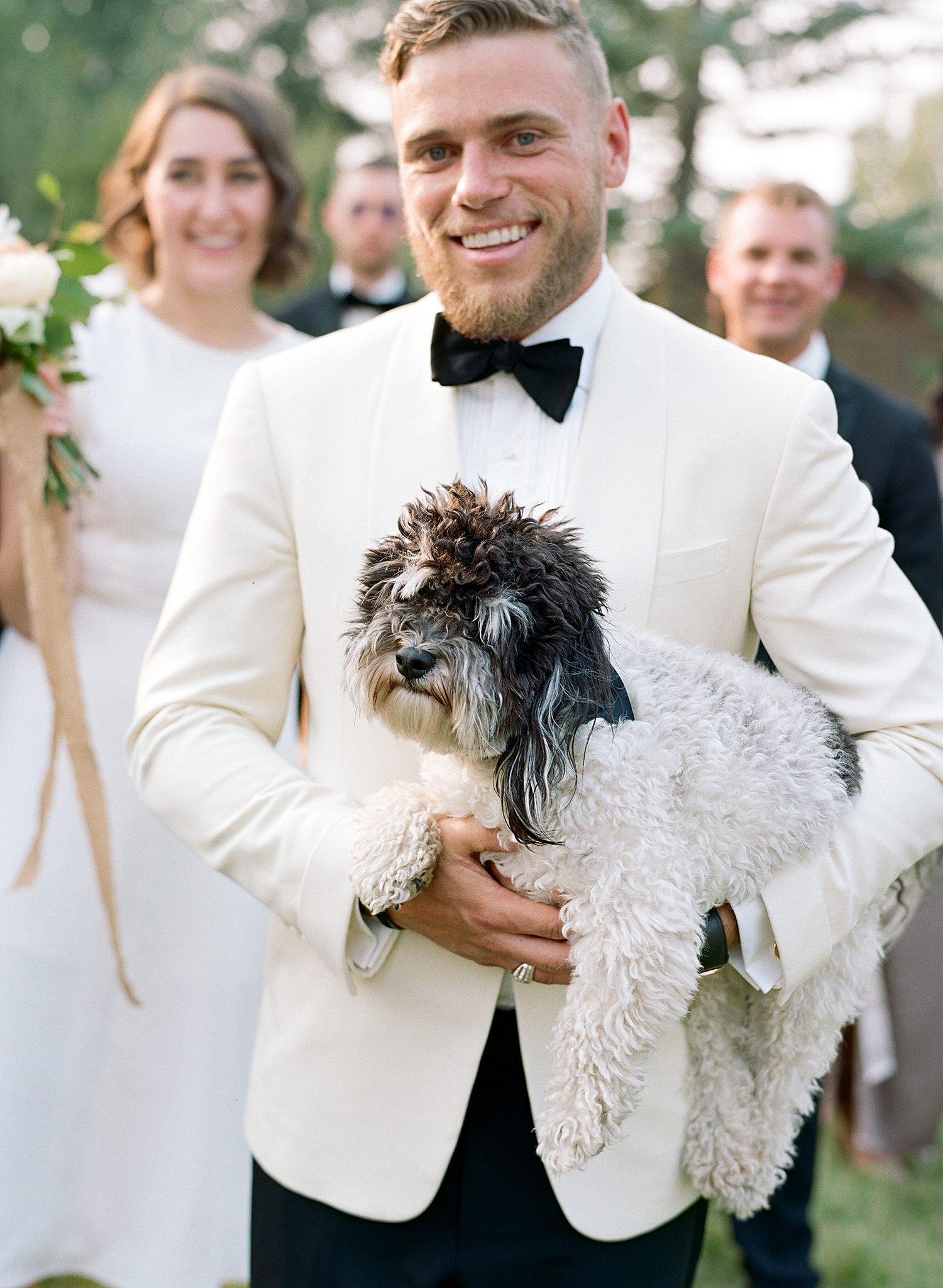 kaitlin jeremy wedding officiant with dog