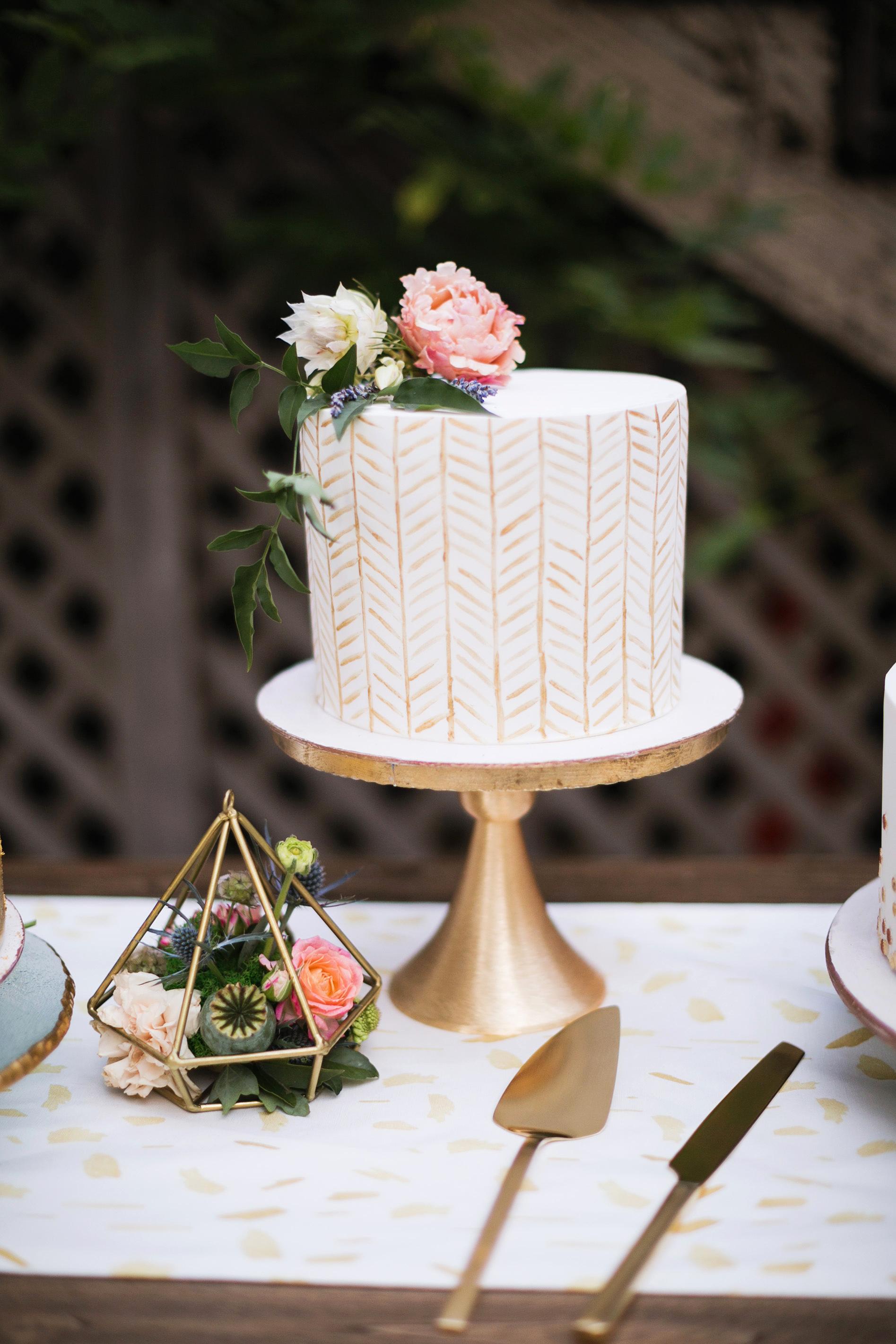 molly adam wedding cake