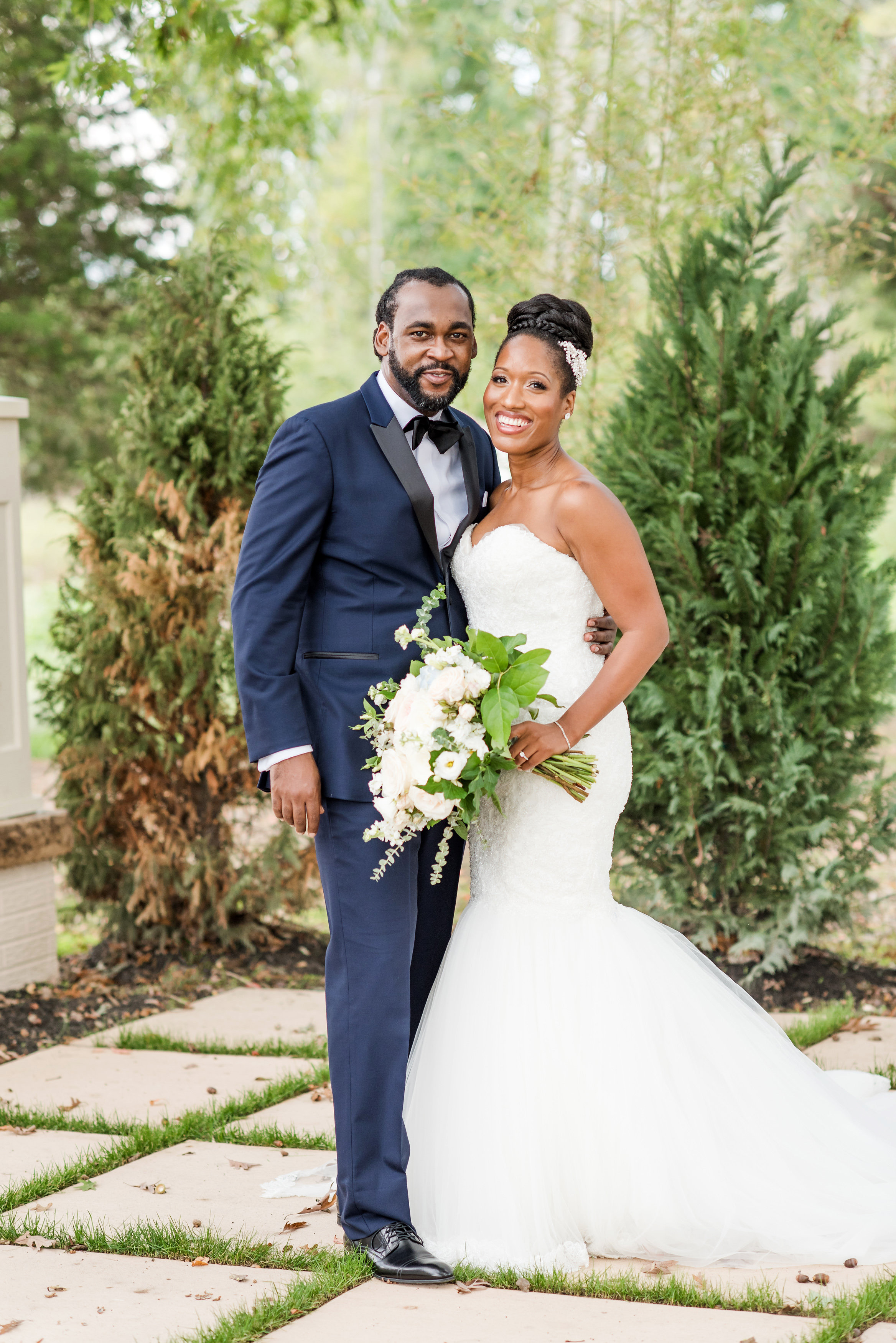 kenisha wendall wedding portrait couple posing