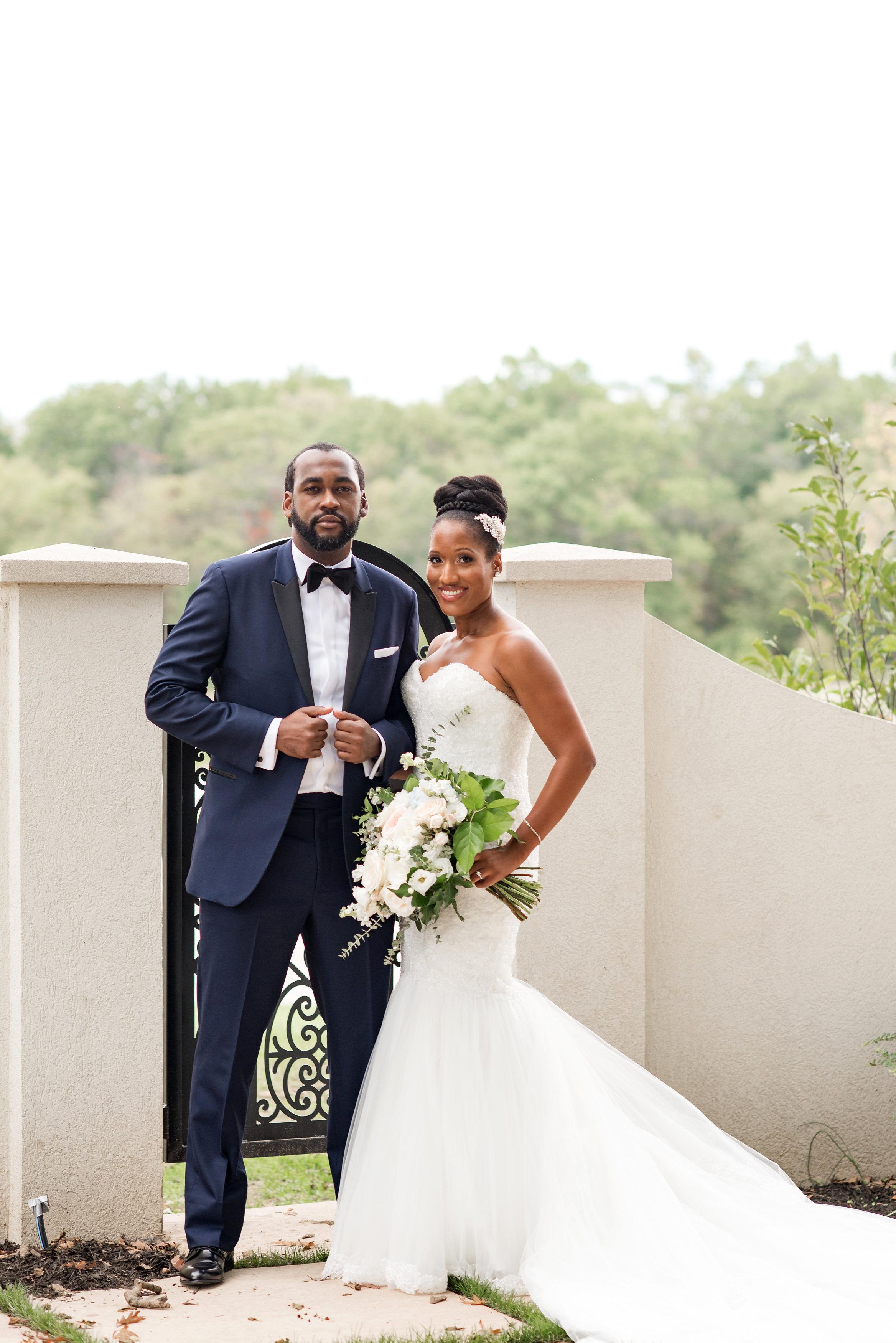 kenisha wendall wedding bride groom portrait outdoor