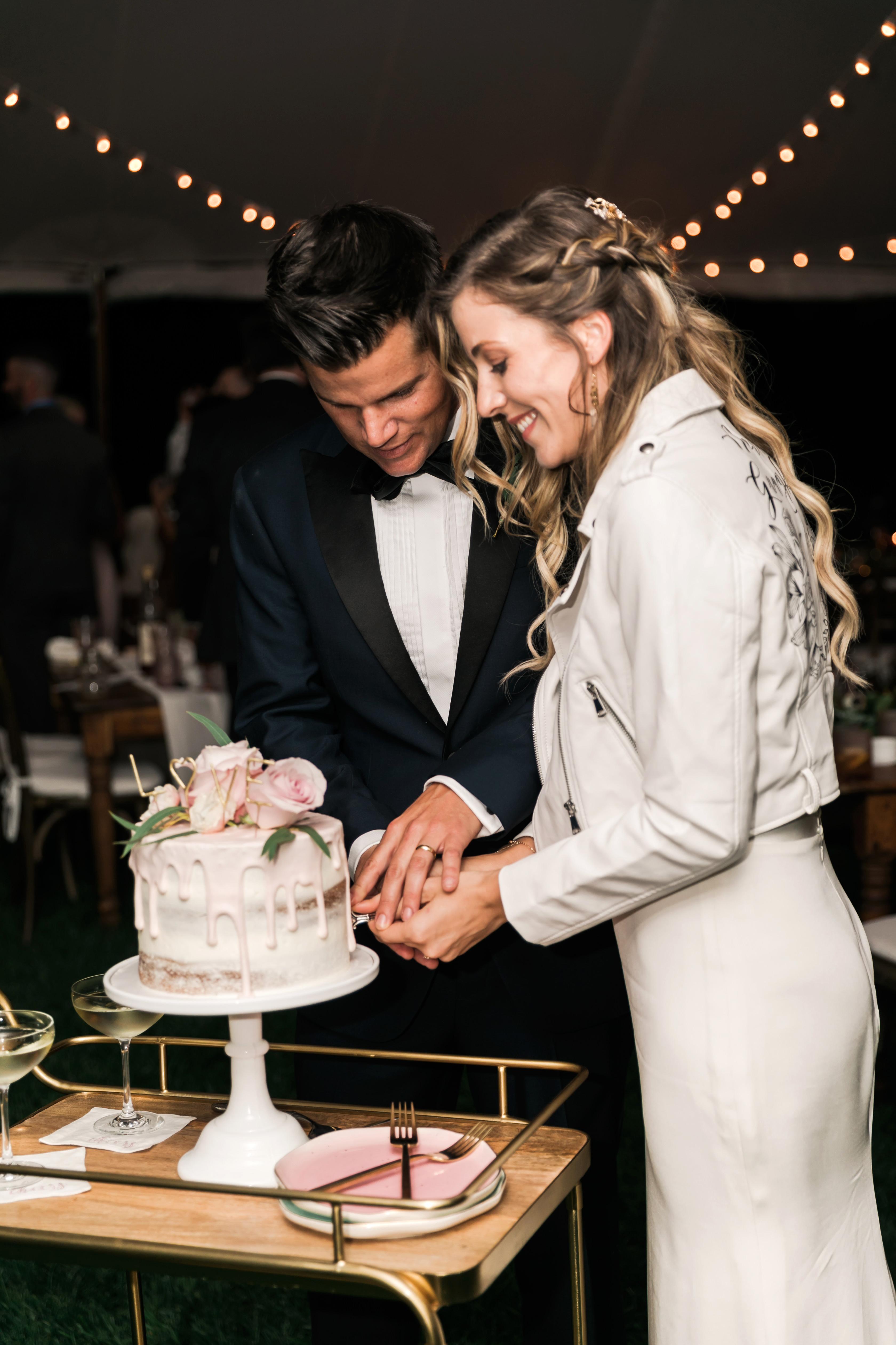 vanessa steven wedding cake cutting