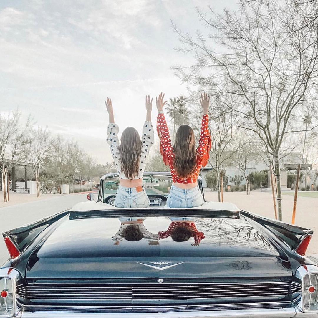 Scottsdale, Arizona, Bachelorette Party Guide, Girls Sitting on Convertible