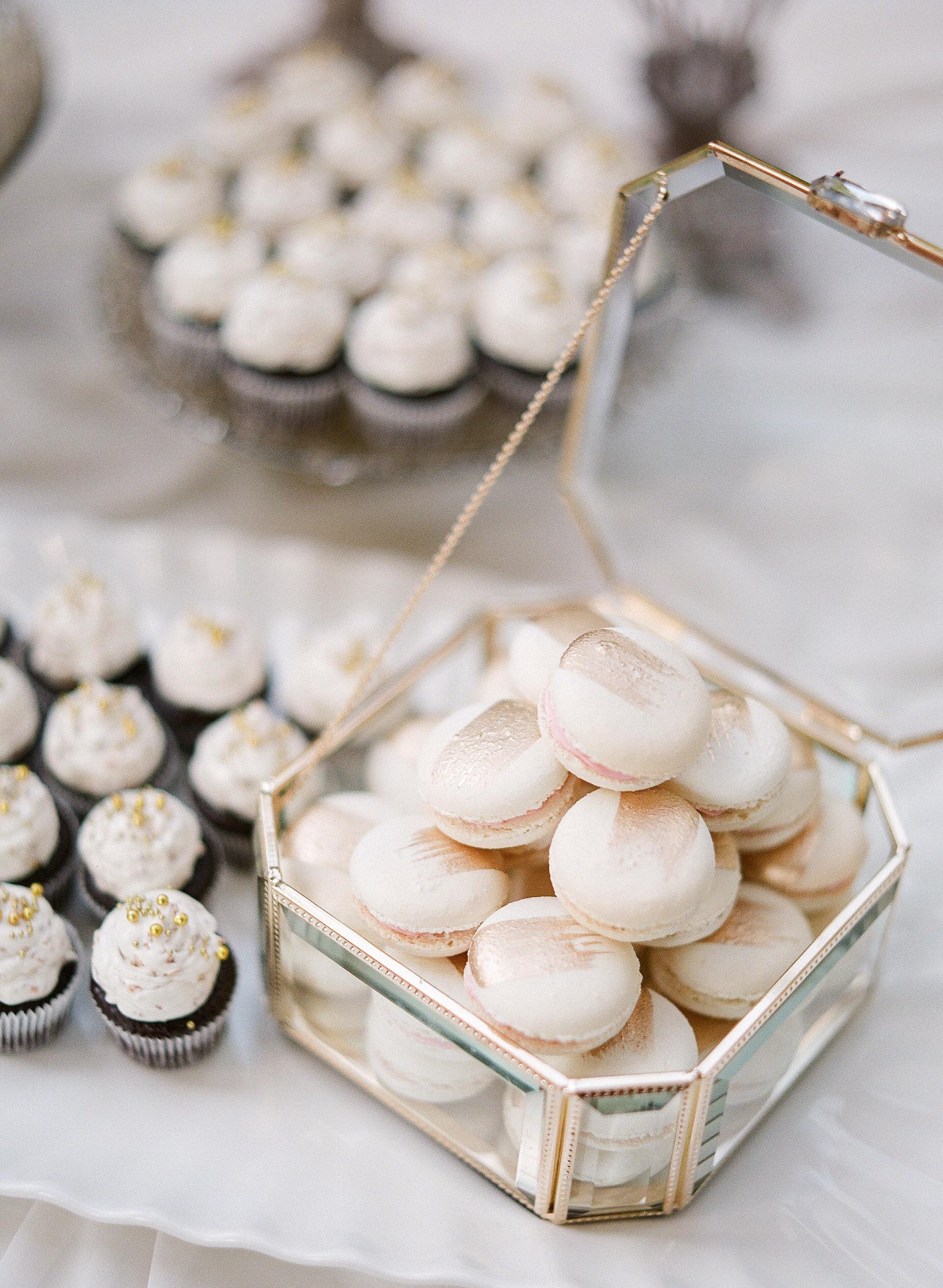 gloria zee wedding desserts