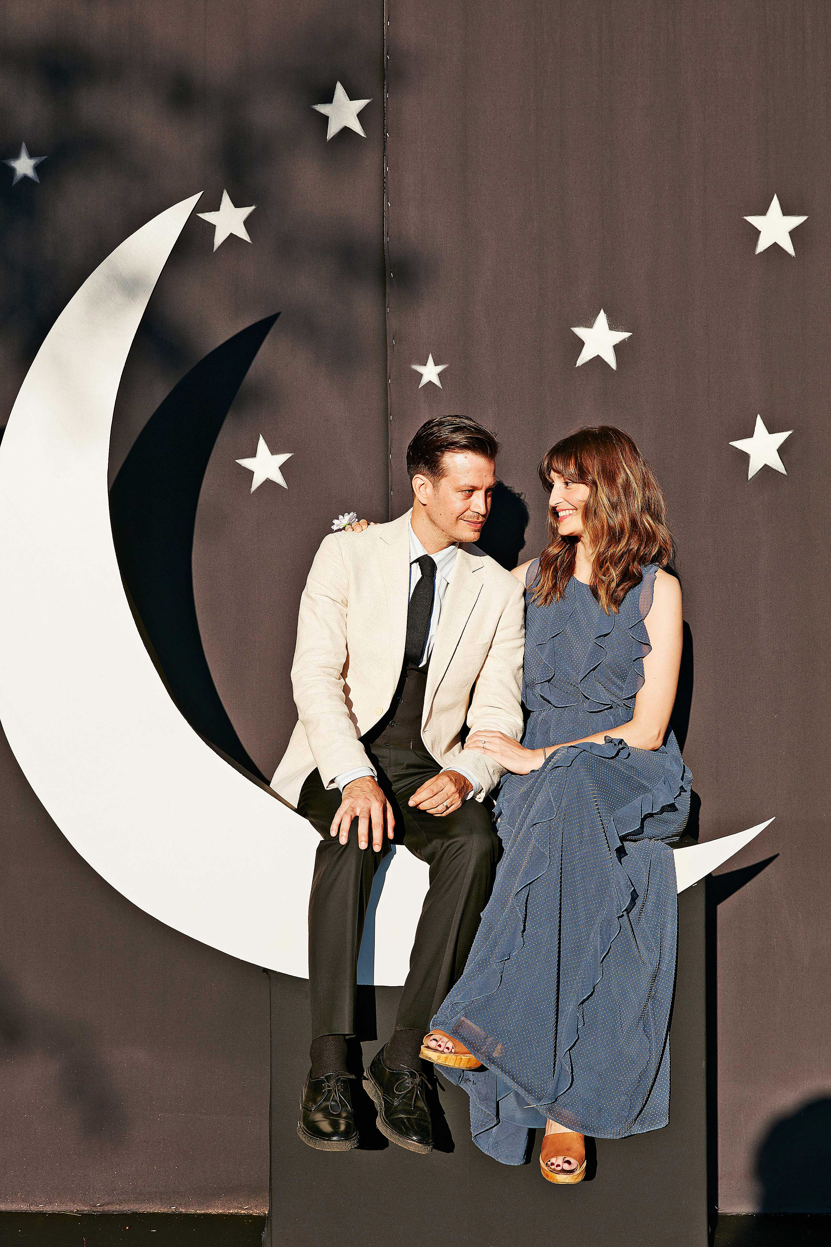 avril quy wedding new york celestial photo booth moon stars
