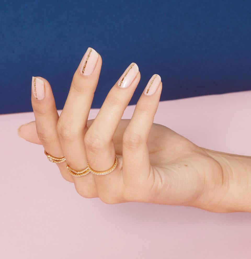 gold stripe nail art