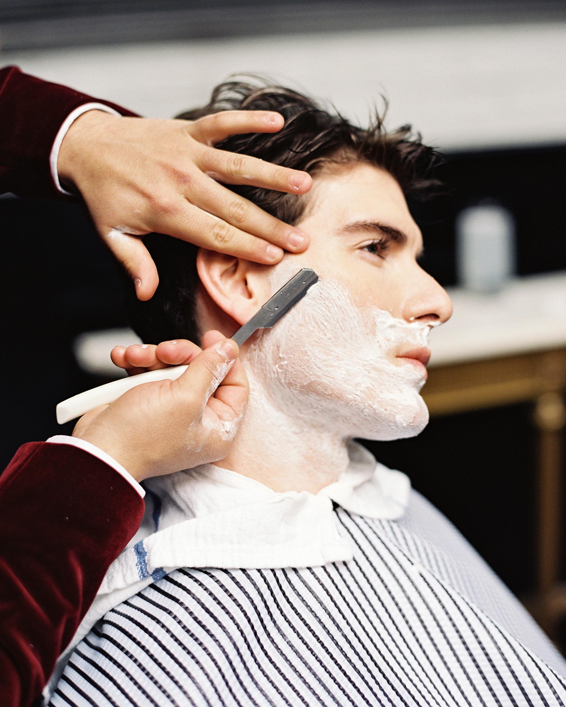 mens-getting-ready-guide-razor-0715.jpg