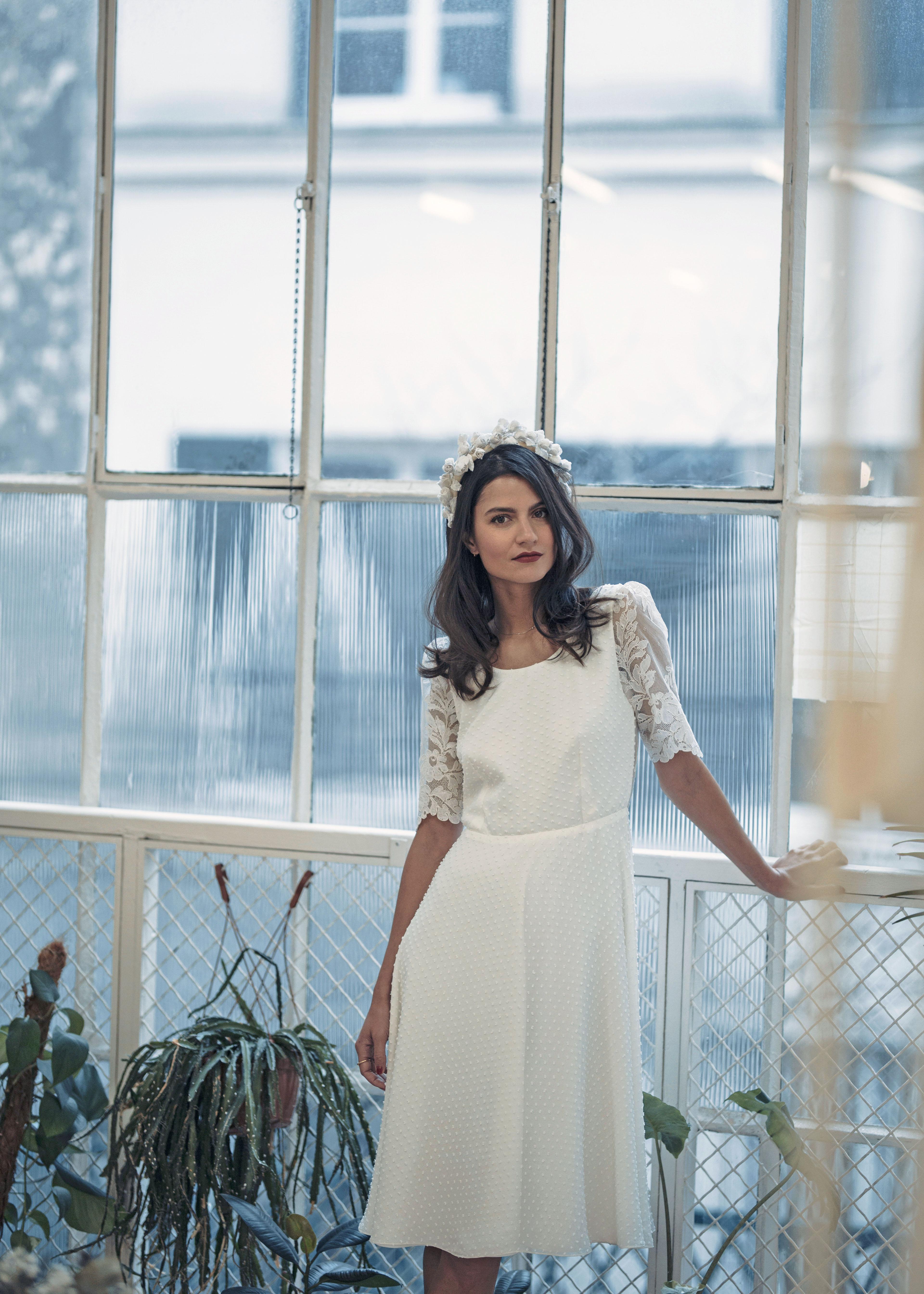 laure de sagazan short lace scoop wedding dress spring 2019