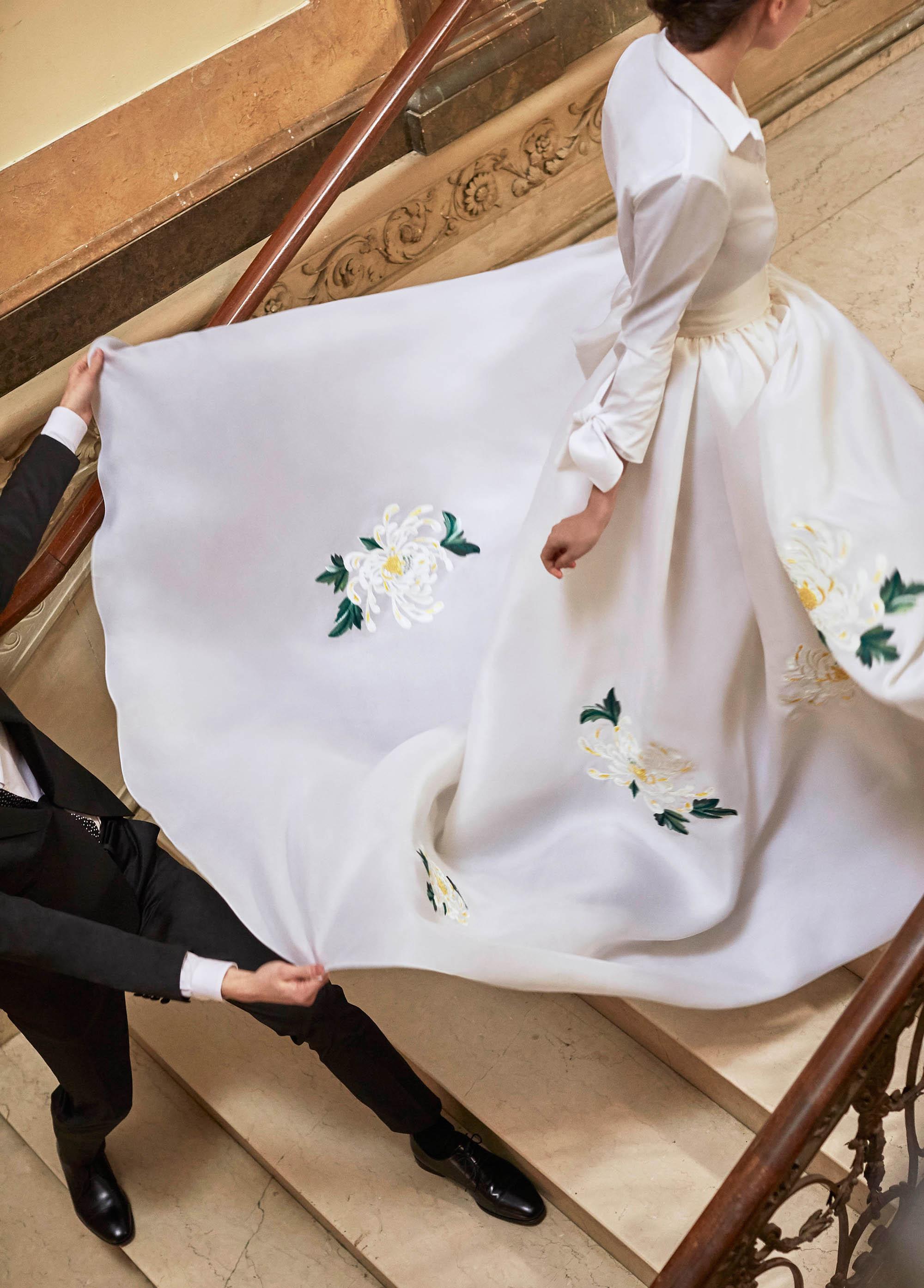 Carolina Herrera wedding dress spring 2019 floral shirtdress a-line long sleeve gown