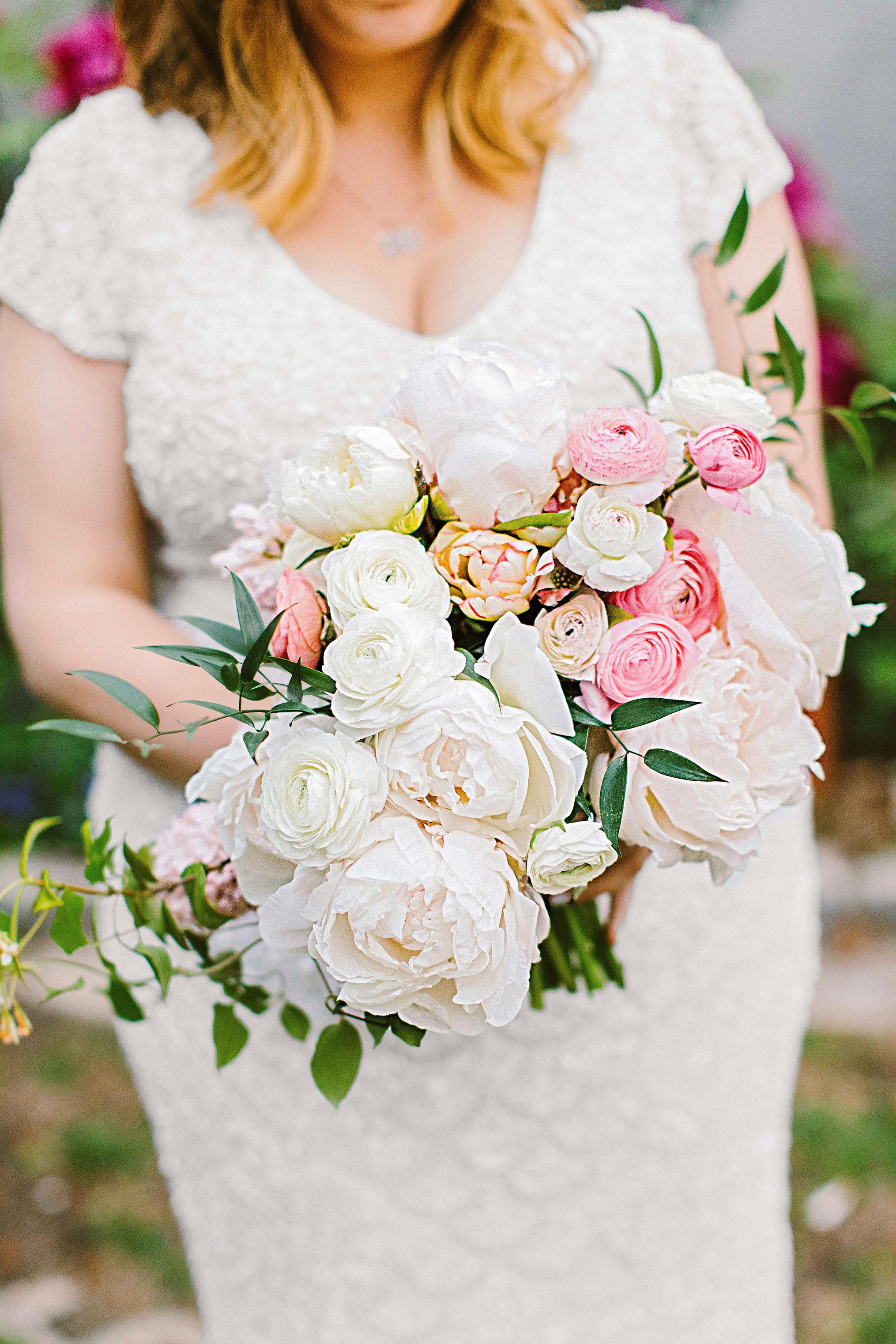 sara ryan wedding philadelphia bouquet