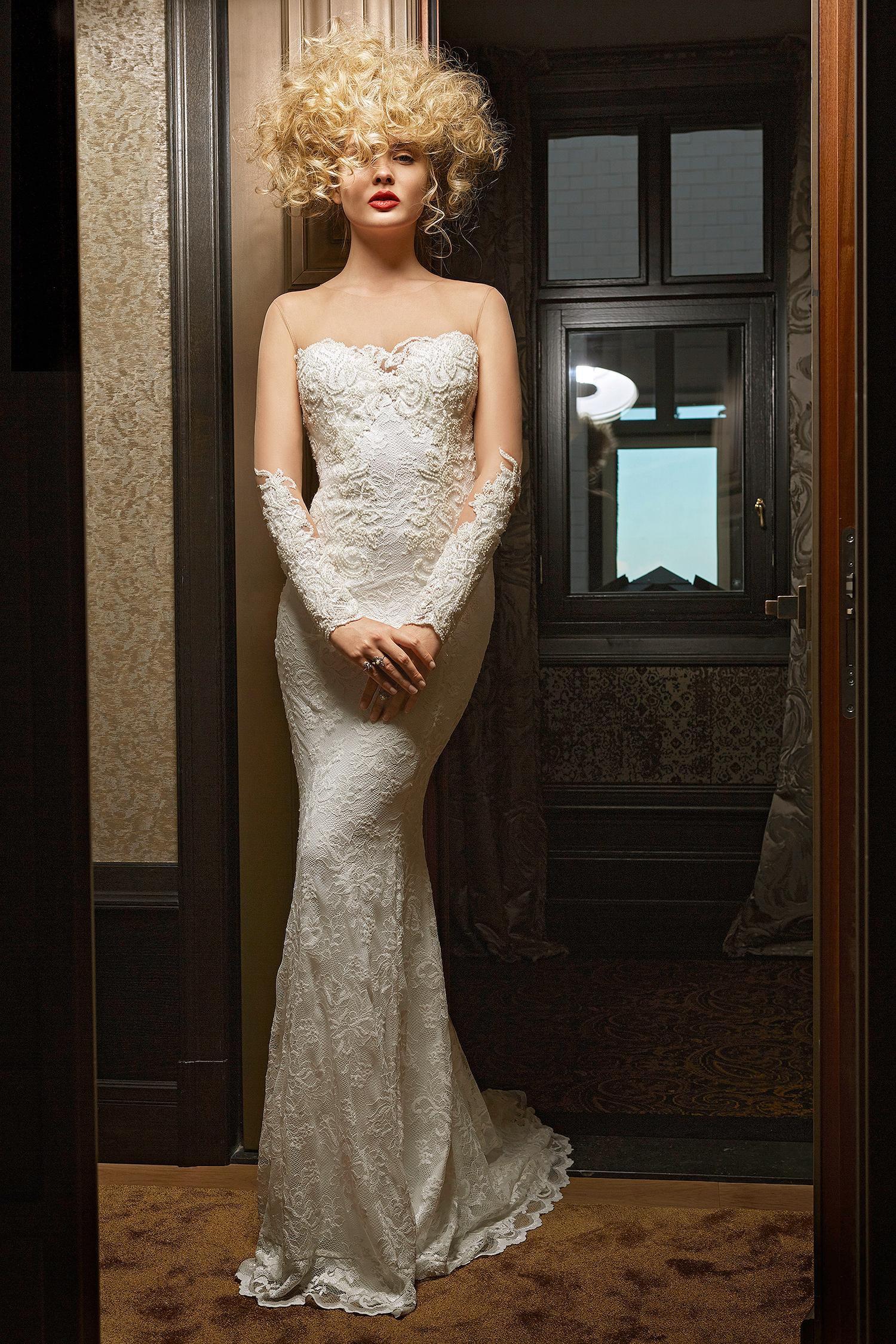 olvi wedding dress spring 2019 illusion neck long-sleeves detail