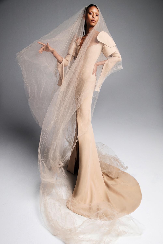 vera wang wedding dress spring 2019 tan long sleeves trumpet veil