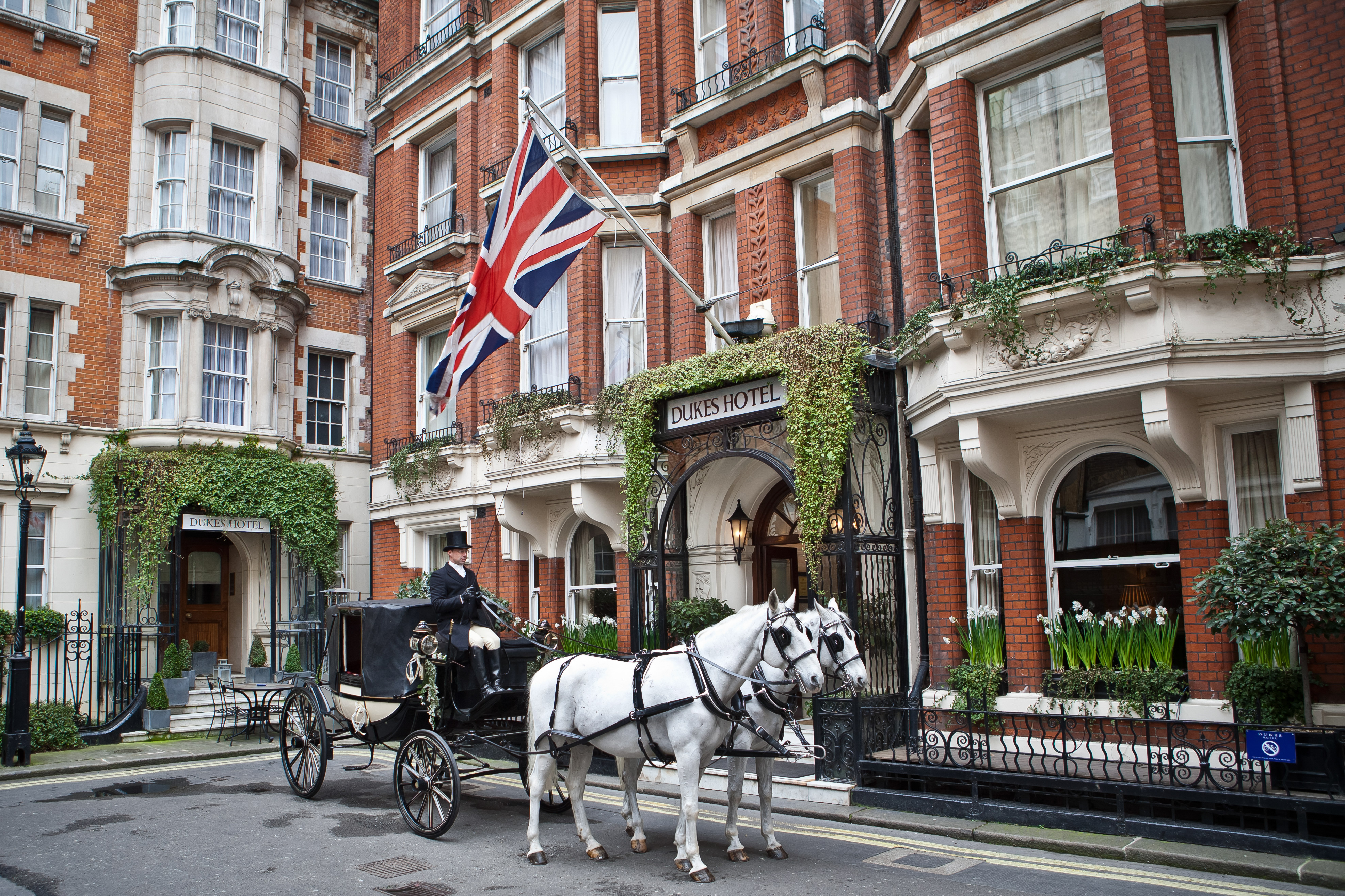 dukes london travel