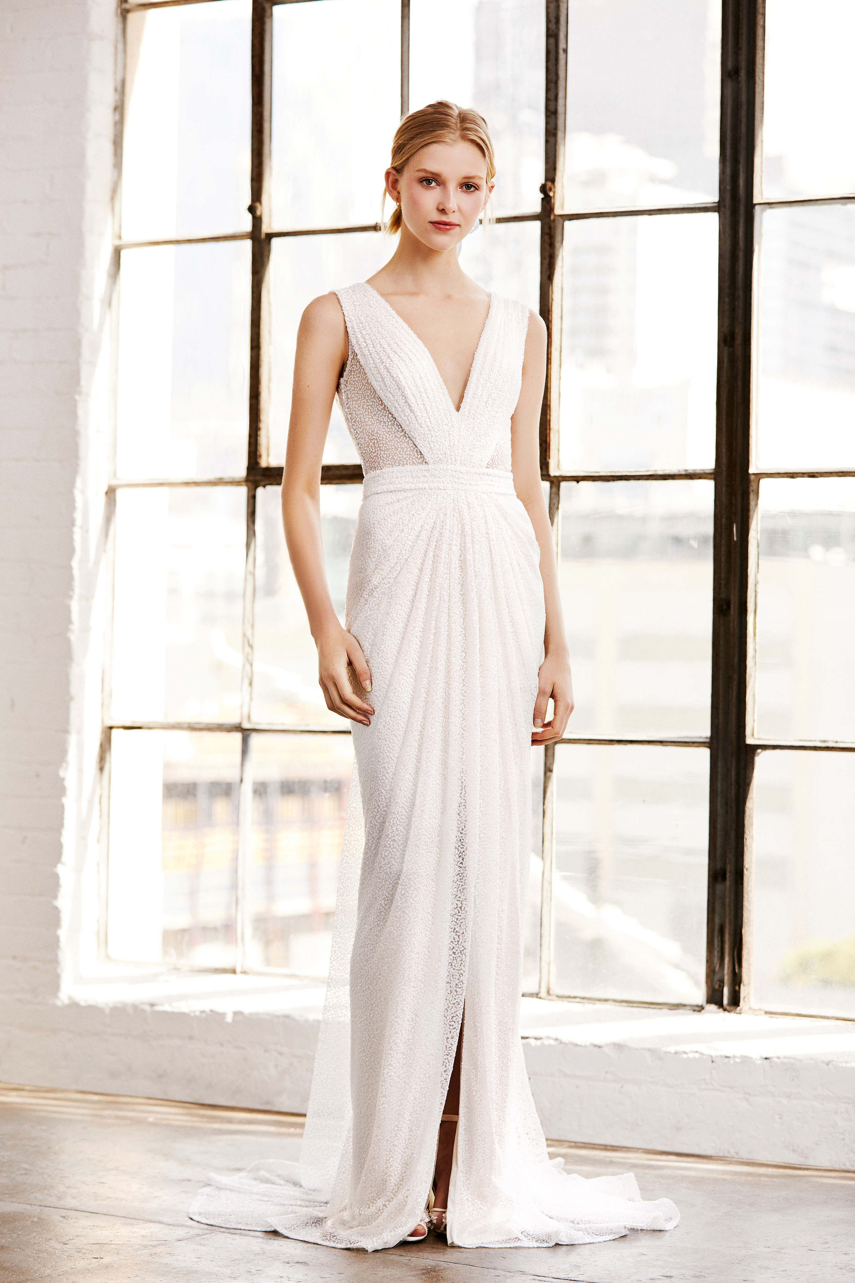 tadashi shoji wedding dress spring 2019 deep v sleeveless
