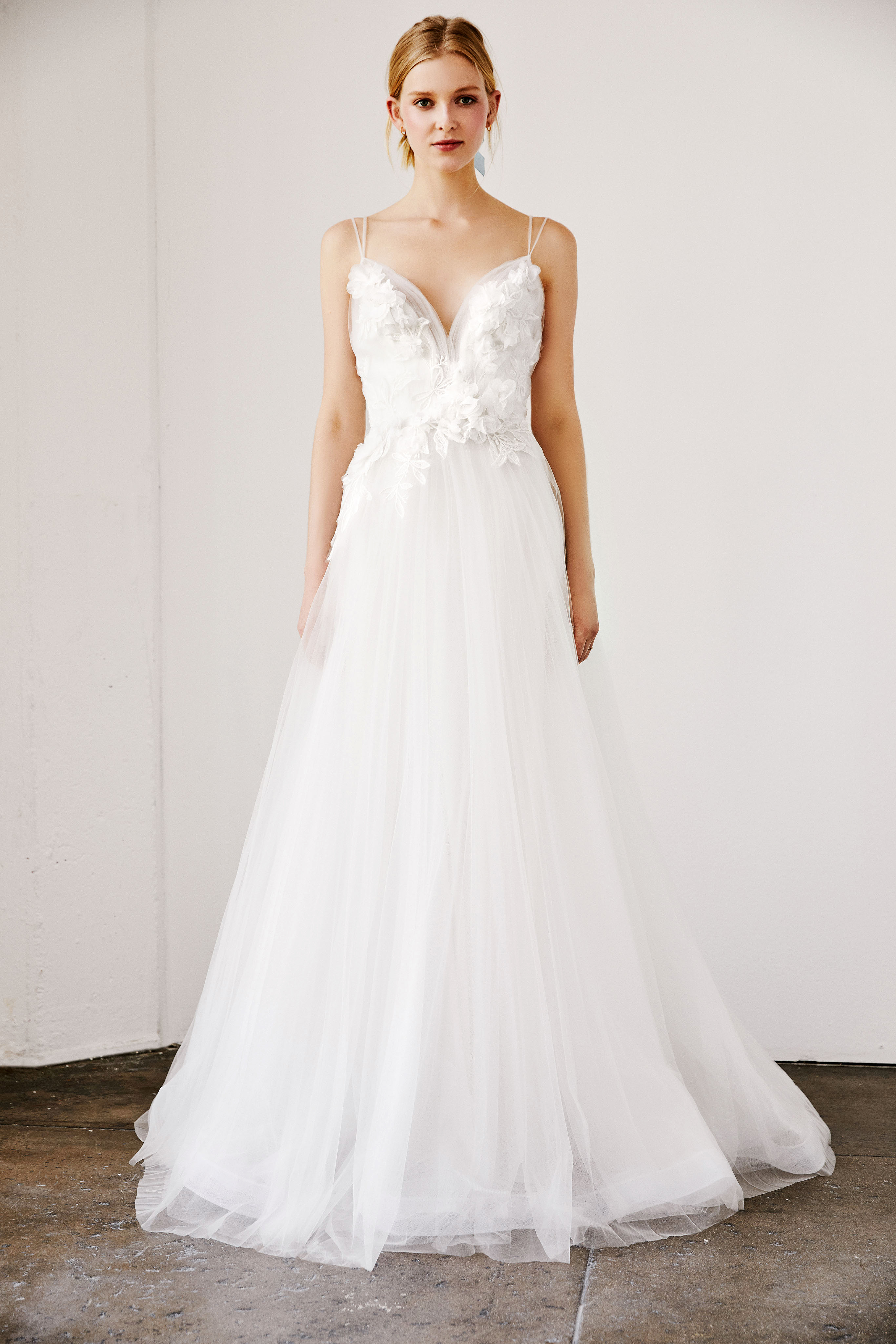tadashi shoji wedding dress spring 2019 floral applique spaghetti strap