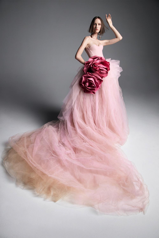 "Картинки по запросу ""vera wang pink wedding dress"""