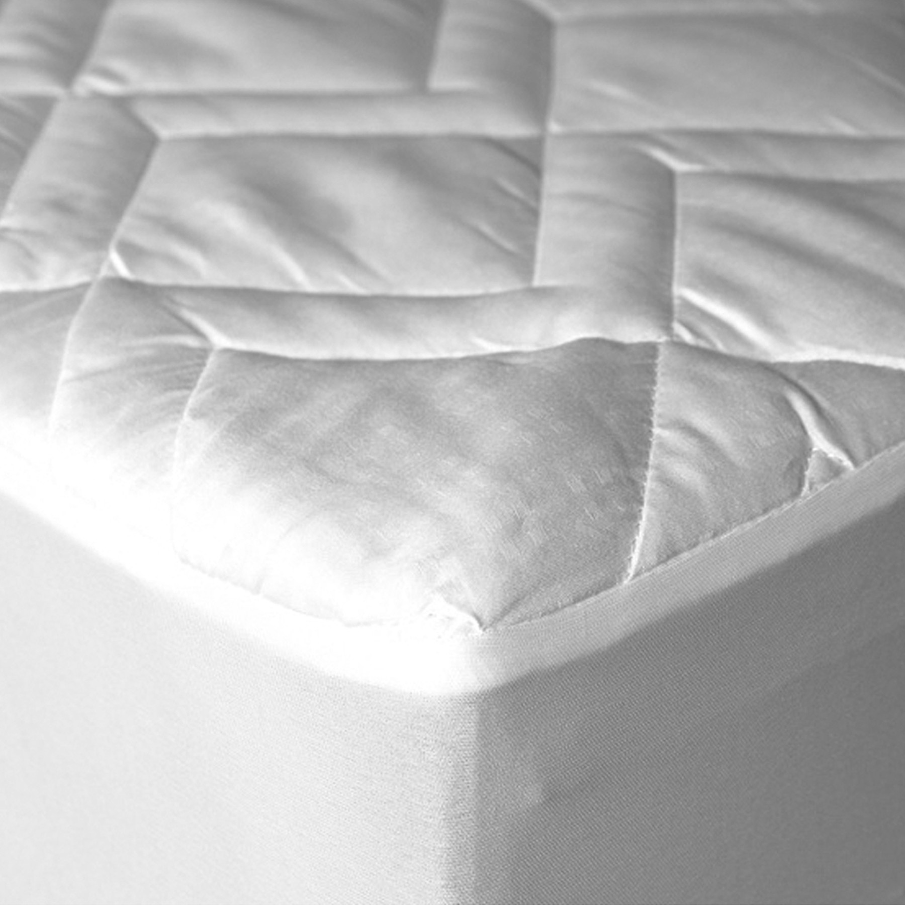 "Down Etc ""Lily Pad"" mattress pad"