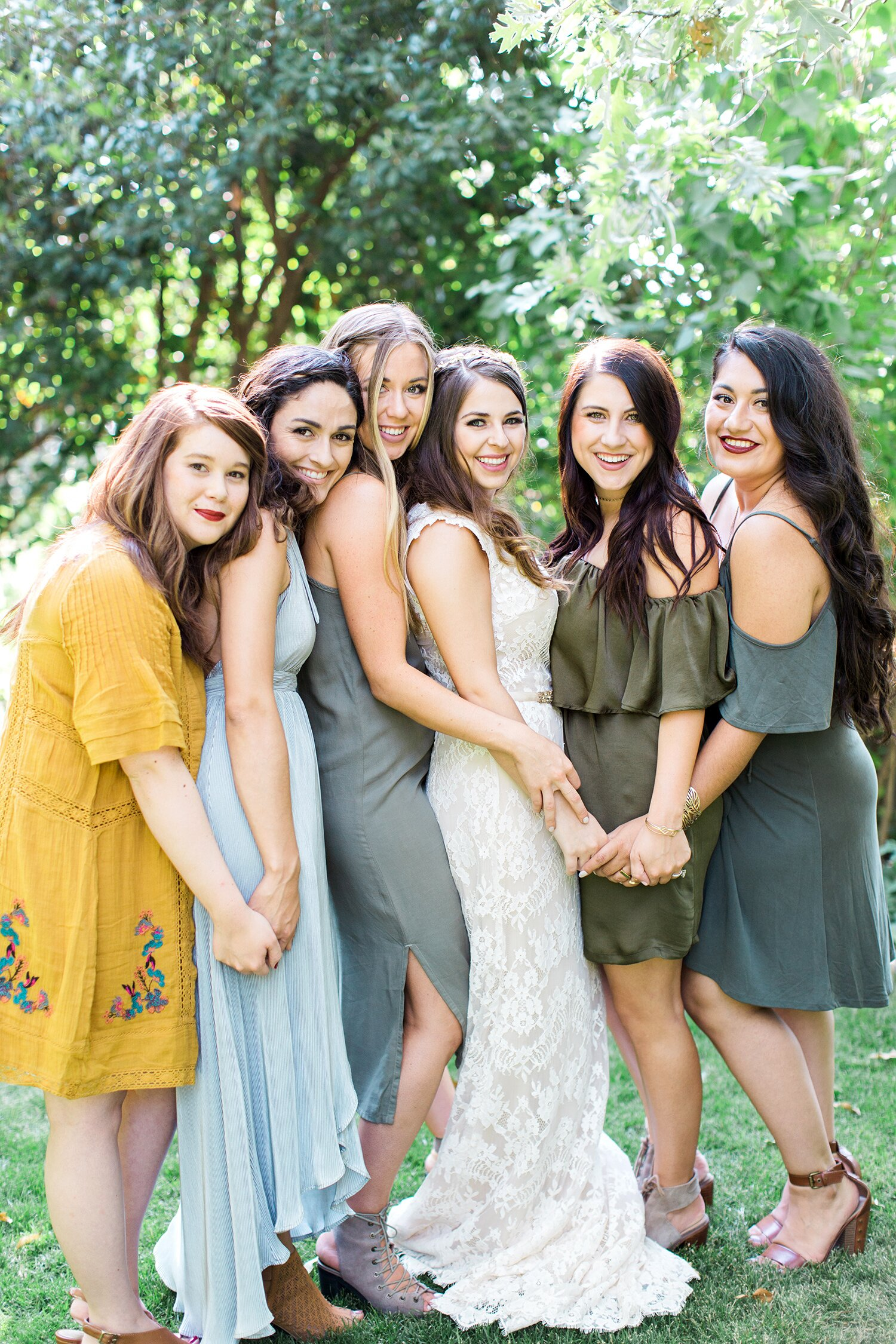 20 Pretty Wedding Guest Hairstyles Martha Stewart Weddings