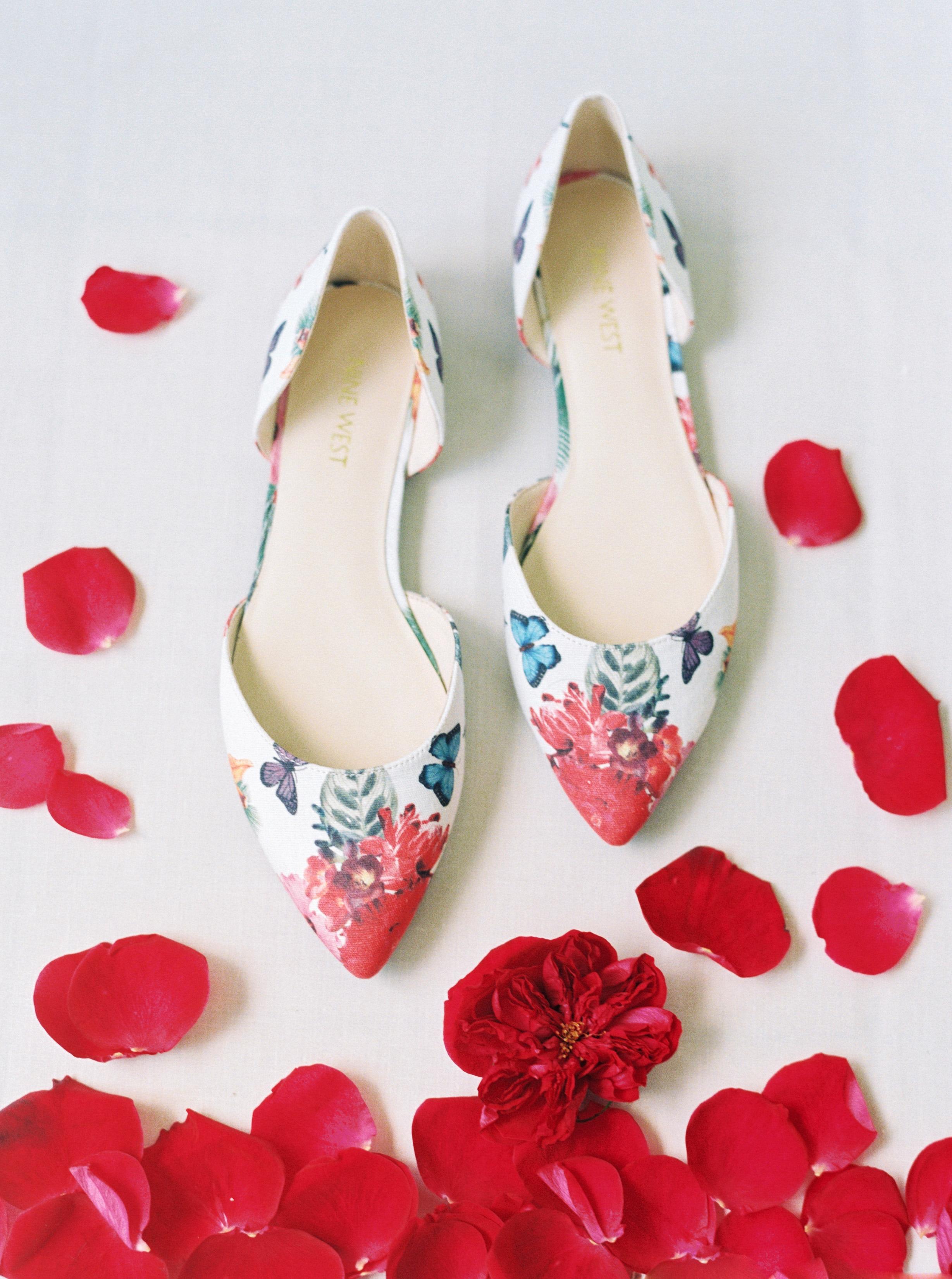 rebecca eryck wedding hawaii shoes