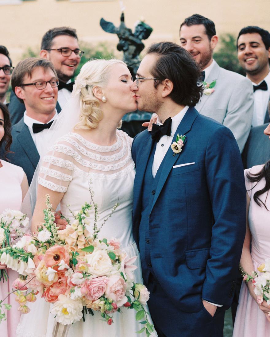 jessica-graham-wedding-kiss-0083-s112171-0915.jpg