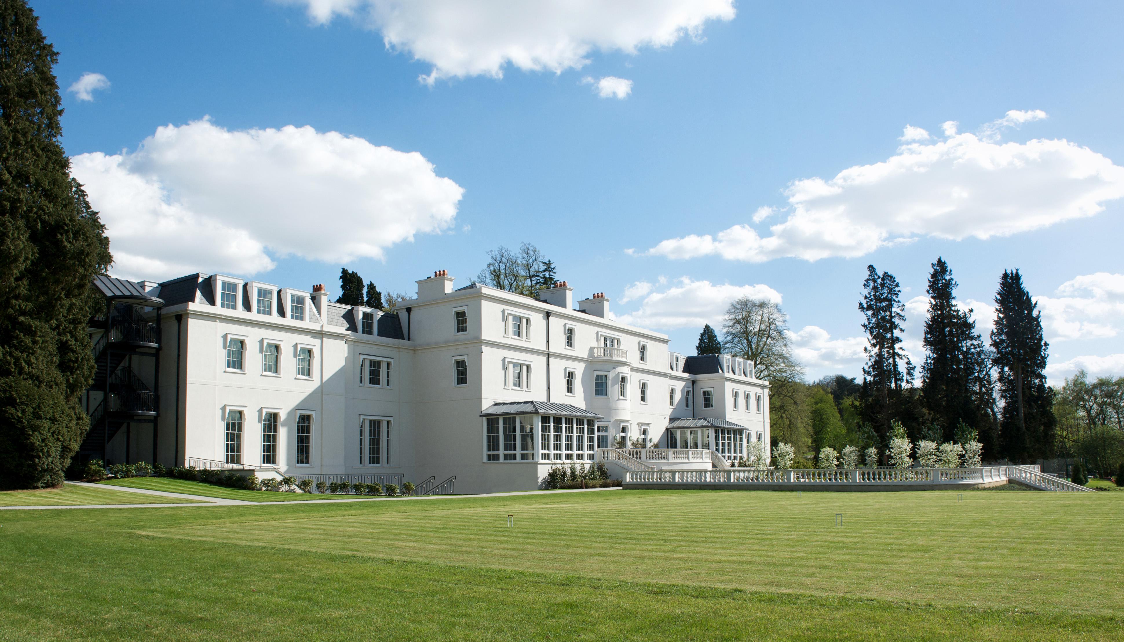 honeymoon destinations coworth park estate grass