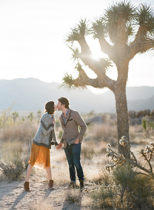 engagement photo ideas this modern romance joshua tree
