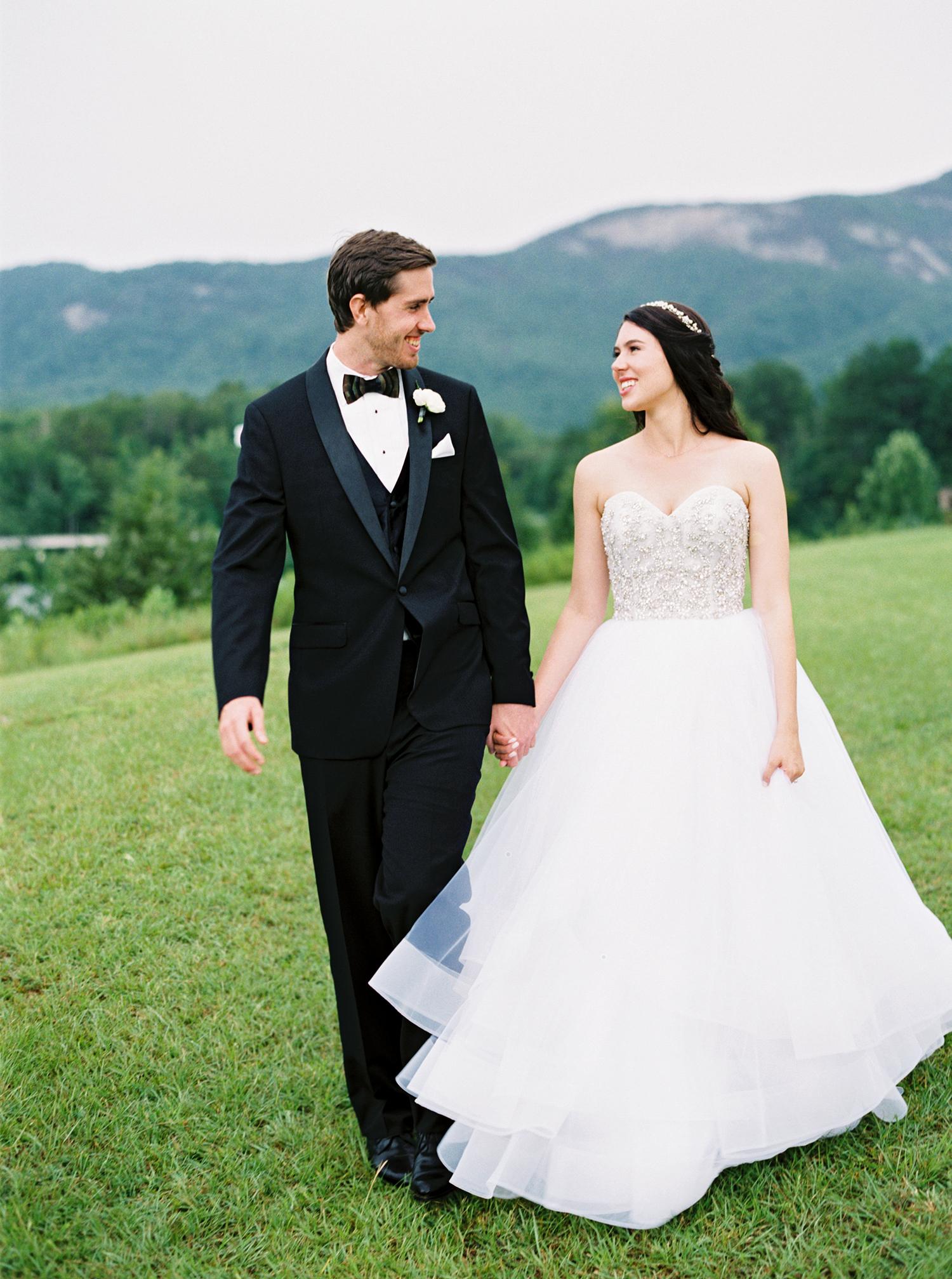 dani jackson wedding couple with mountain backdrop