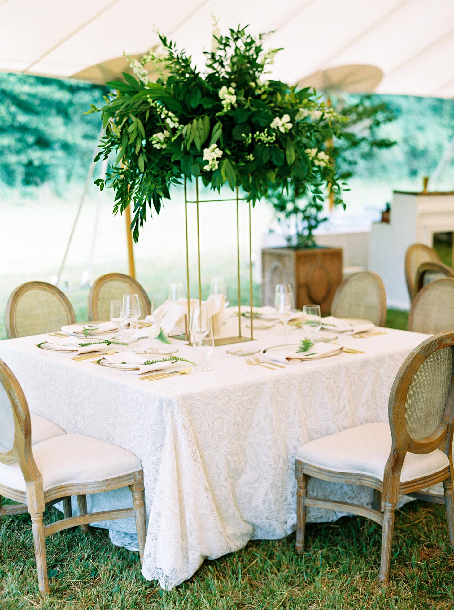 dani jackson wedding reception table