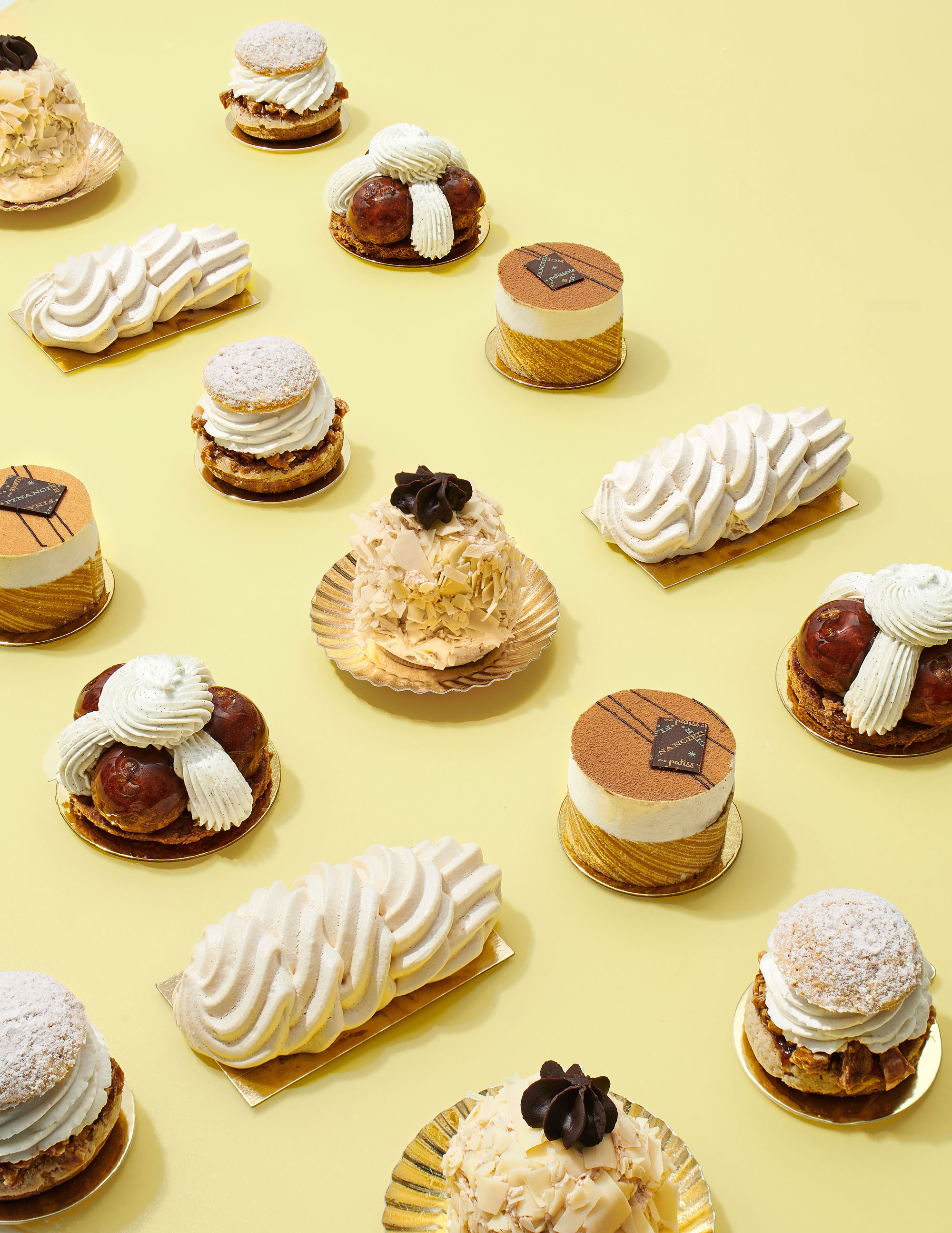 mini cream-filled desserts