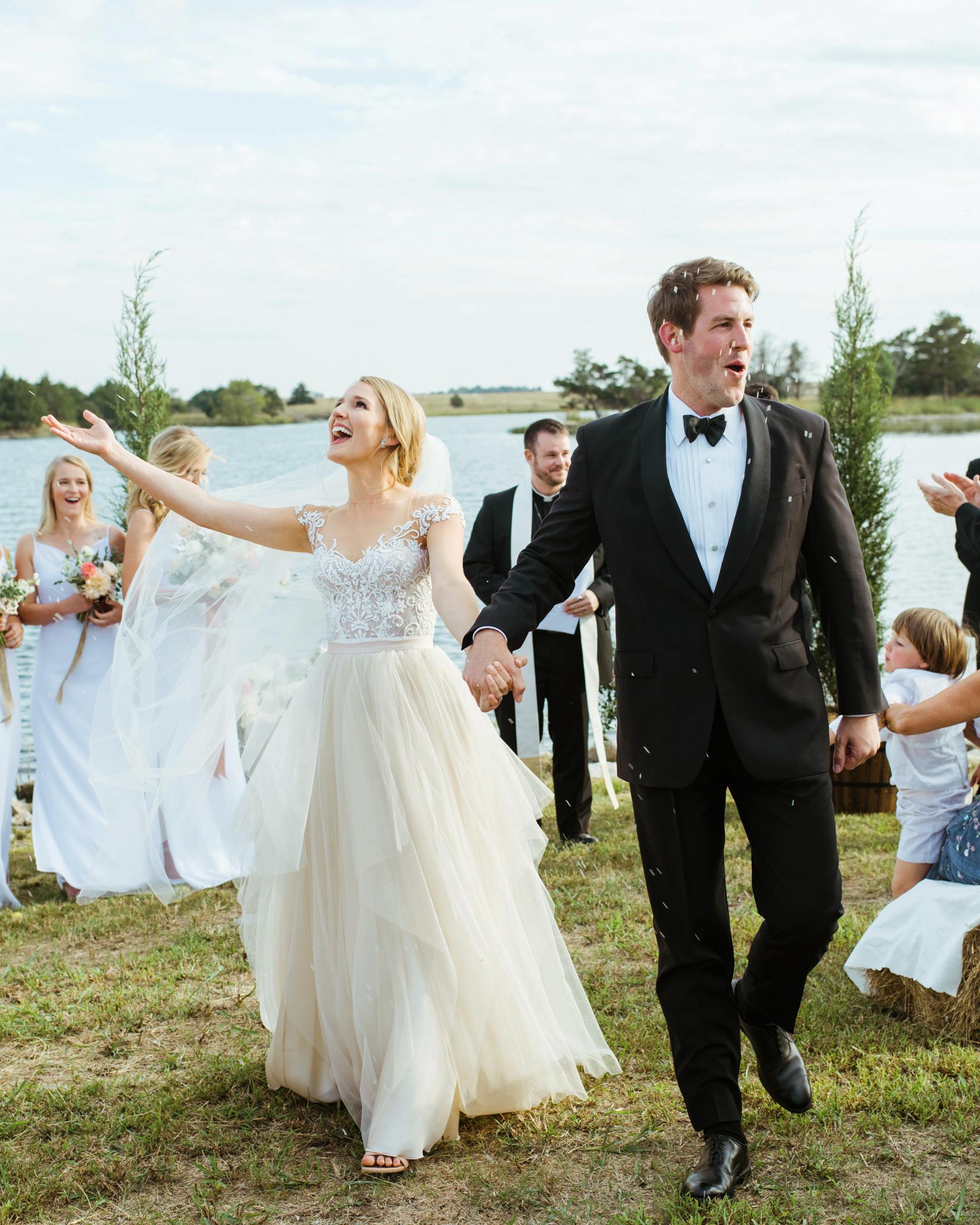 jessika william wedding rice toss