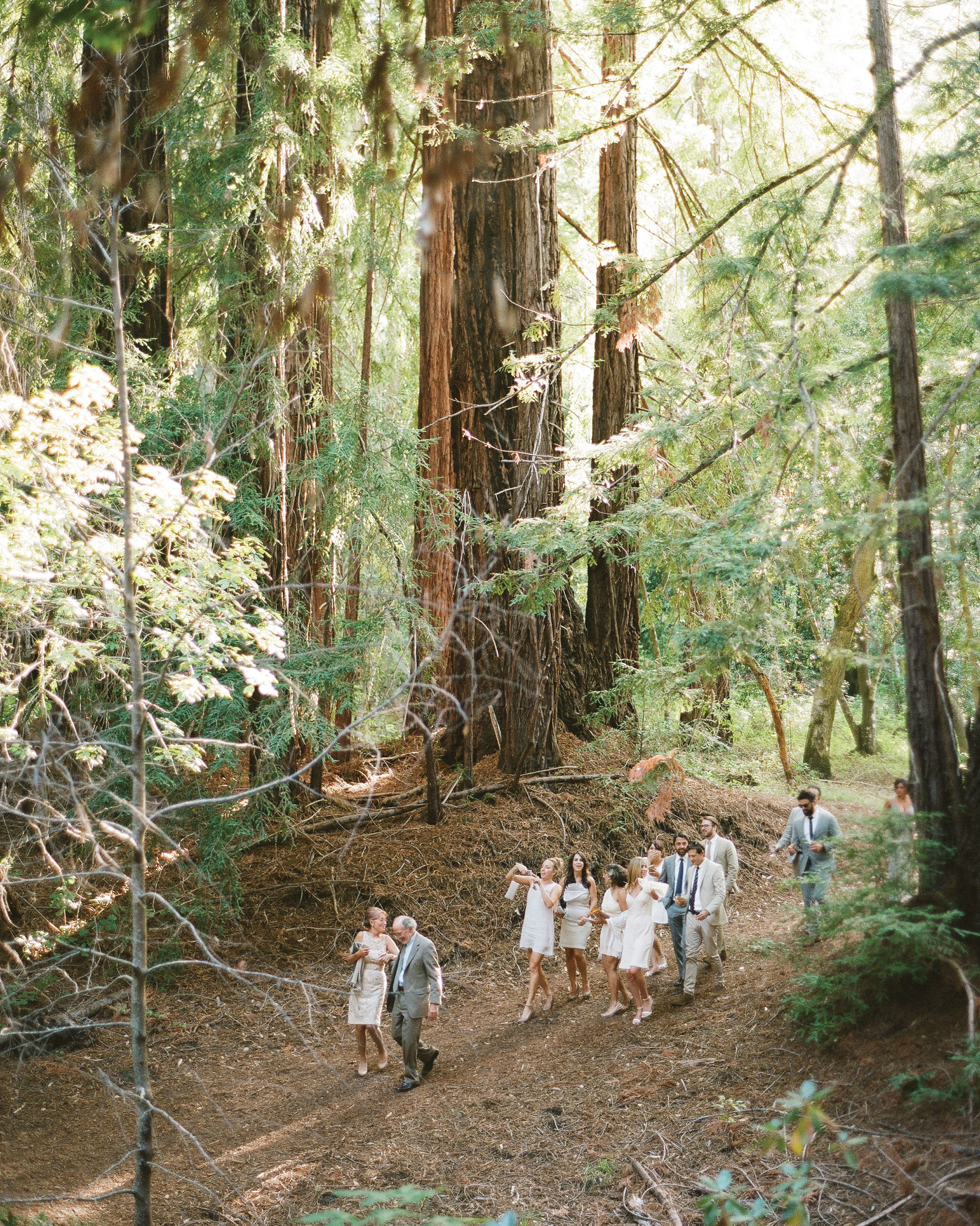 breelayne-hunter-wedding-california-guests-arriving-0058-santa-lucia-preserve-fairy-woodsy-organic-s112849.jpg