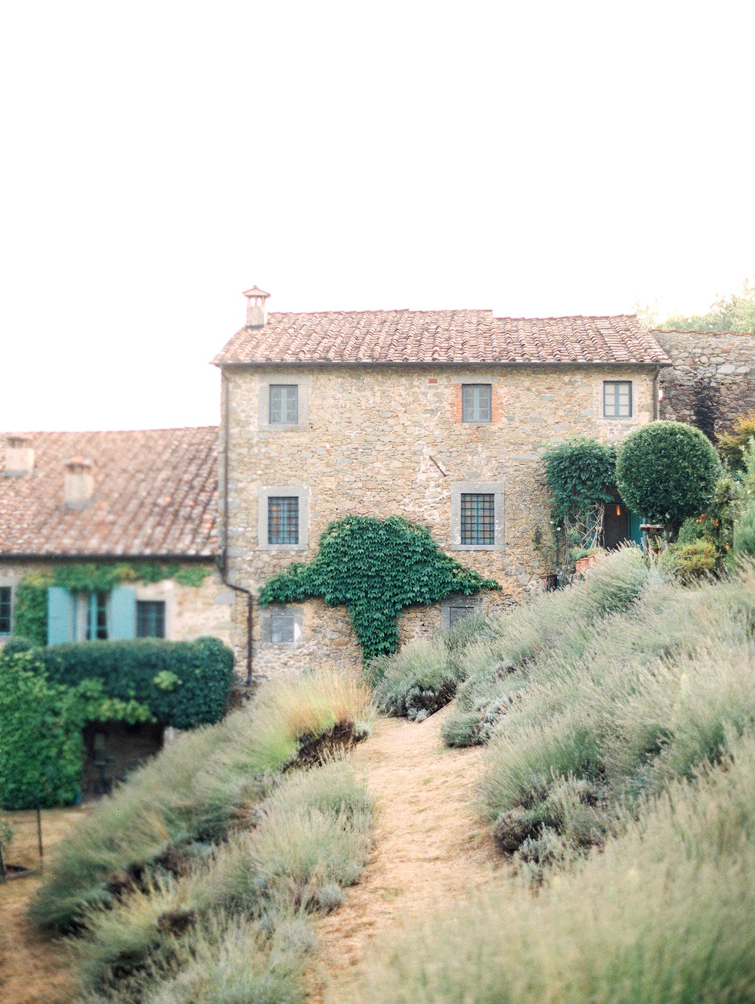 kelly pete wedding italian venue exterior