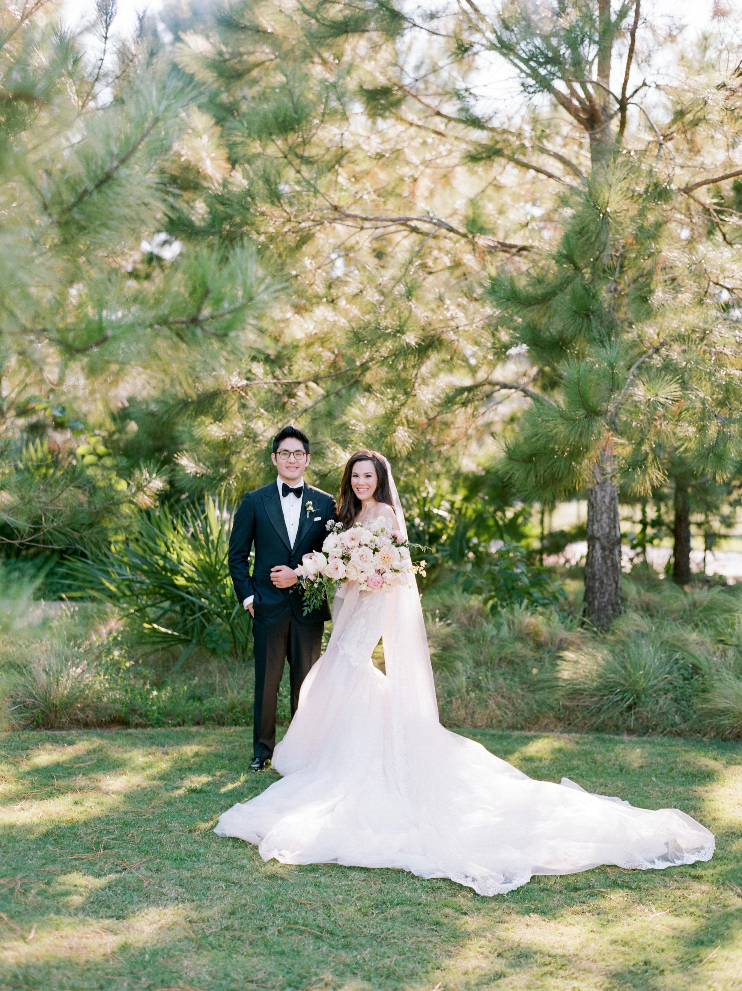texas wedding couple